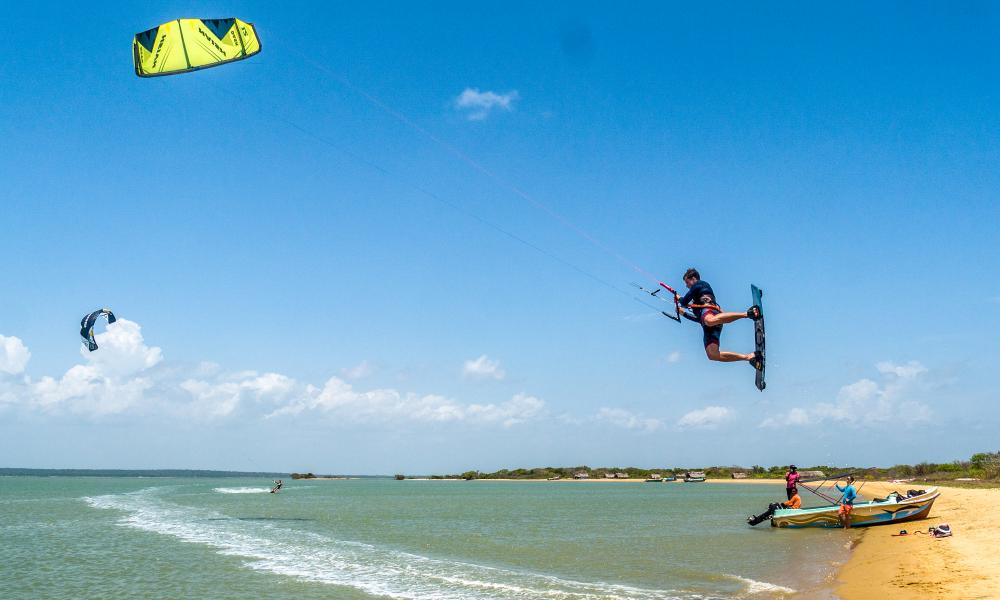 Kitesurfing in Sri Lanka with Kite Holidays