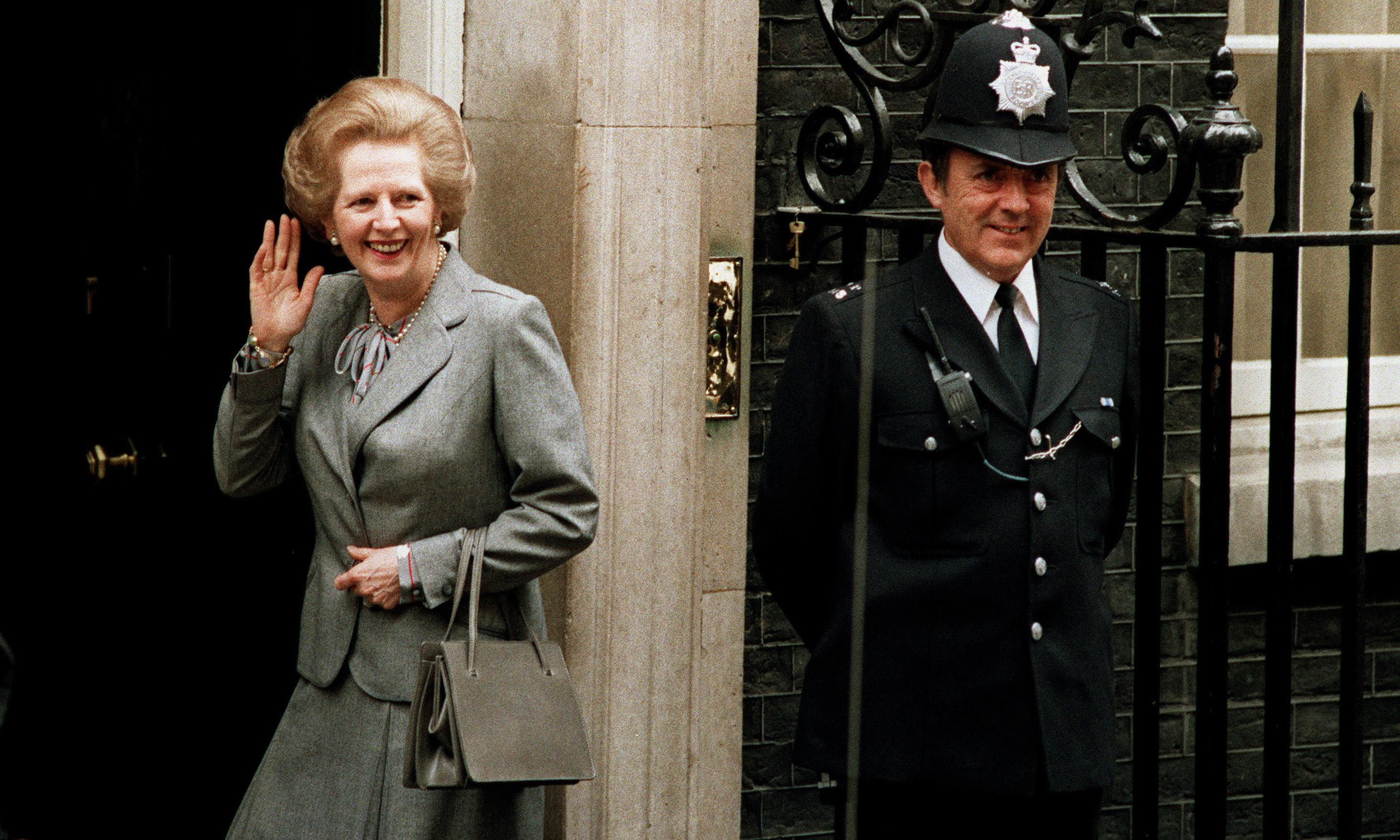 Thatcher's Asprey and Carrie Bradshaw's Fendi to star in V&A bag show