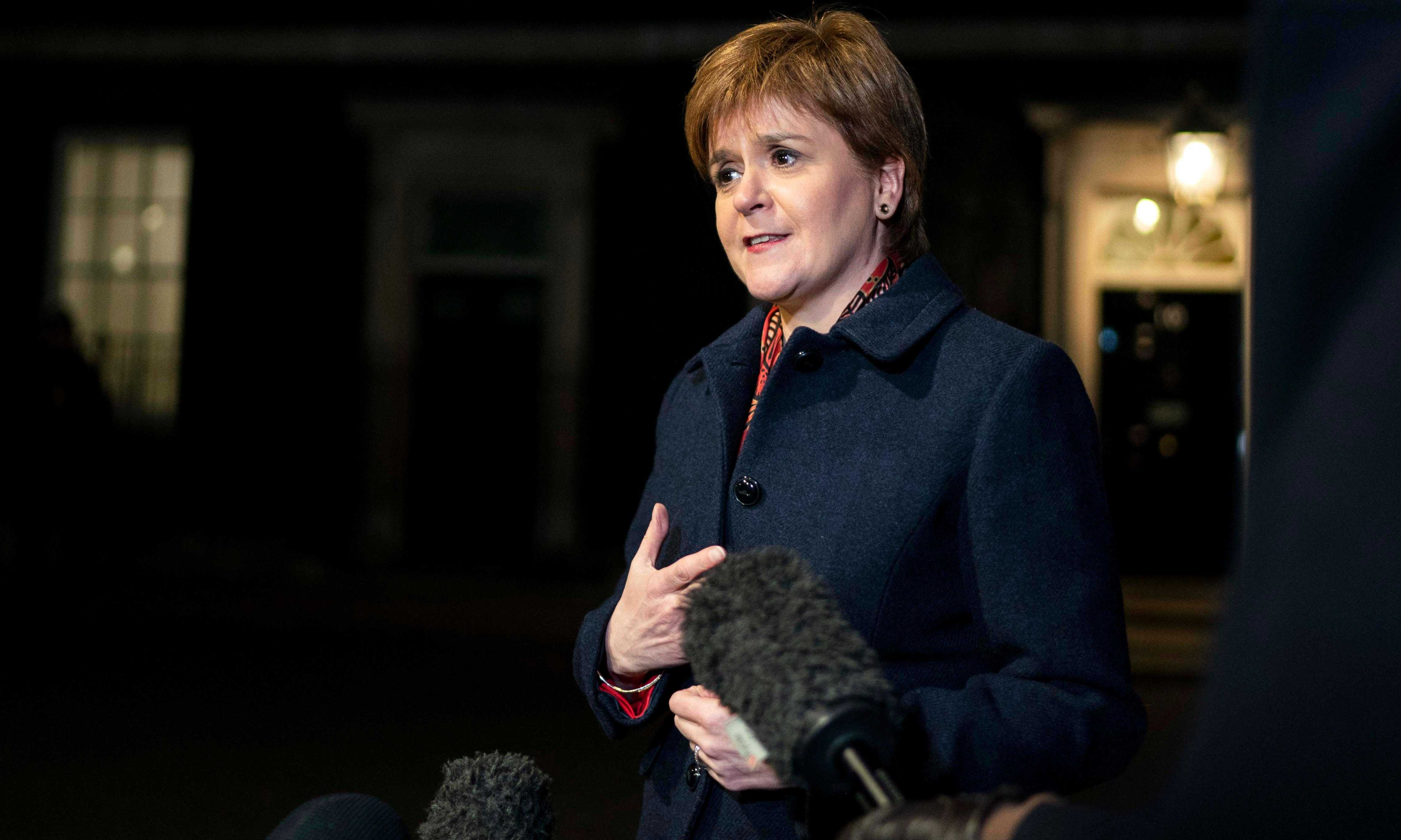 Sturgeon accuses May of driving UK towards 'no-deal cliff-edge'