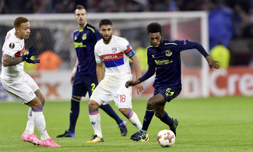 Beni Baningime of Everton on the ball.