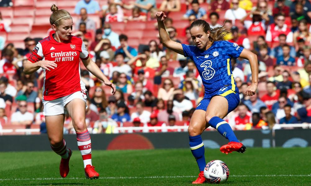 Arsenal's WSL game against Chelsea took place at the Emirates Stadium in front of 8.705 fans.