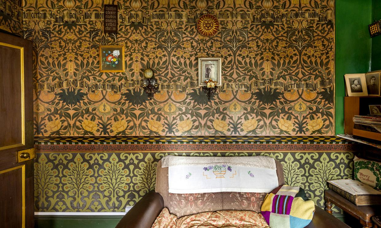 Labourer who turned his cottage into a William Morris showcase