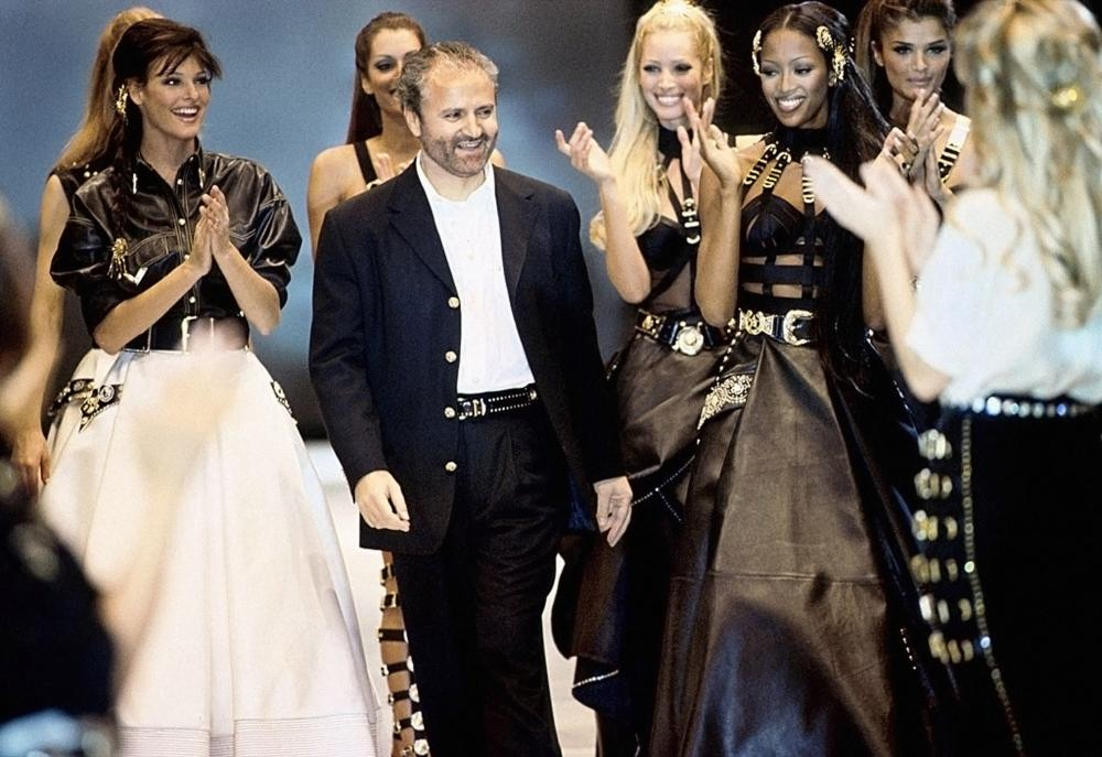 Gianni Versace and supermodels in 1992