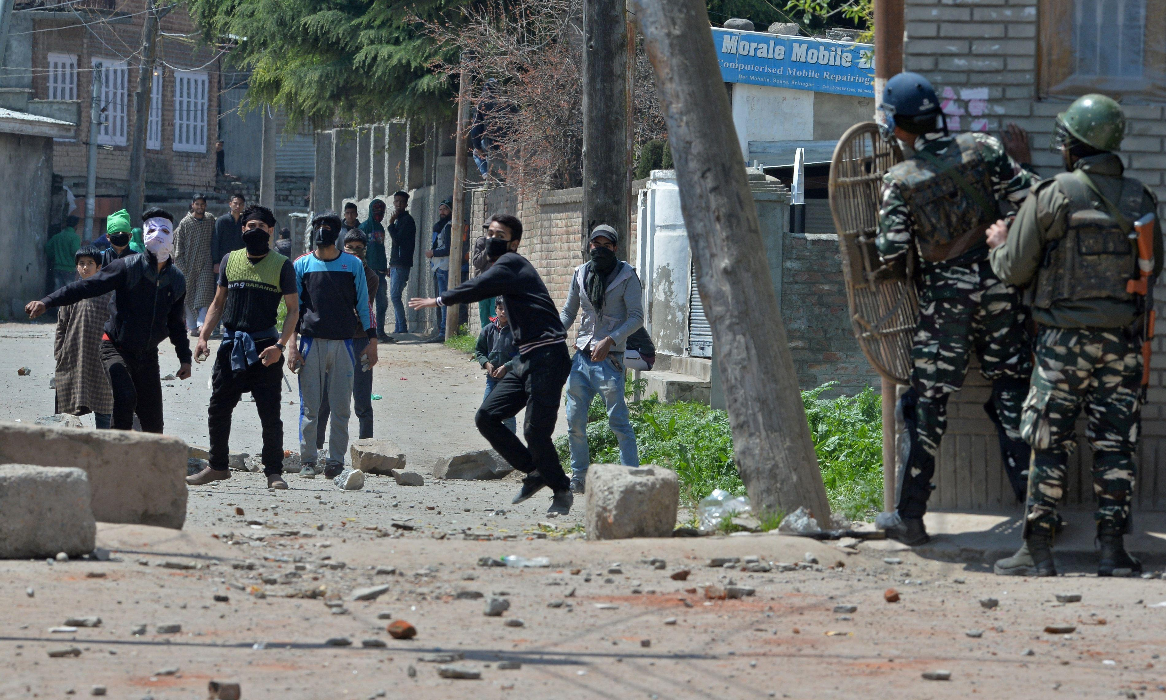 Six die after Indian police open fire on Kashmir poll protesters