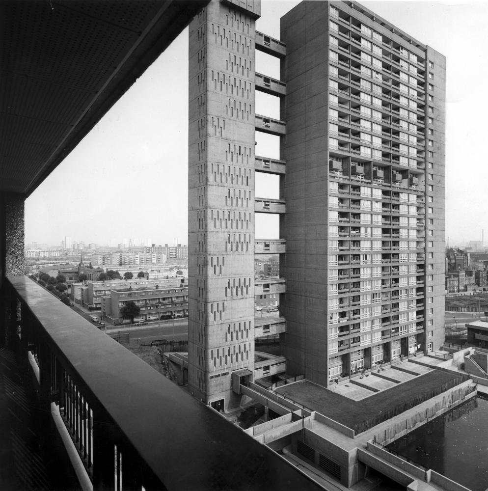 In 1969, Terence Bendixson wrote of Balfron tower that it was 'perversely beautiful' but 'conjures up thoughts of prisons and pill-boxes'.