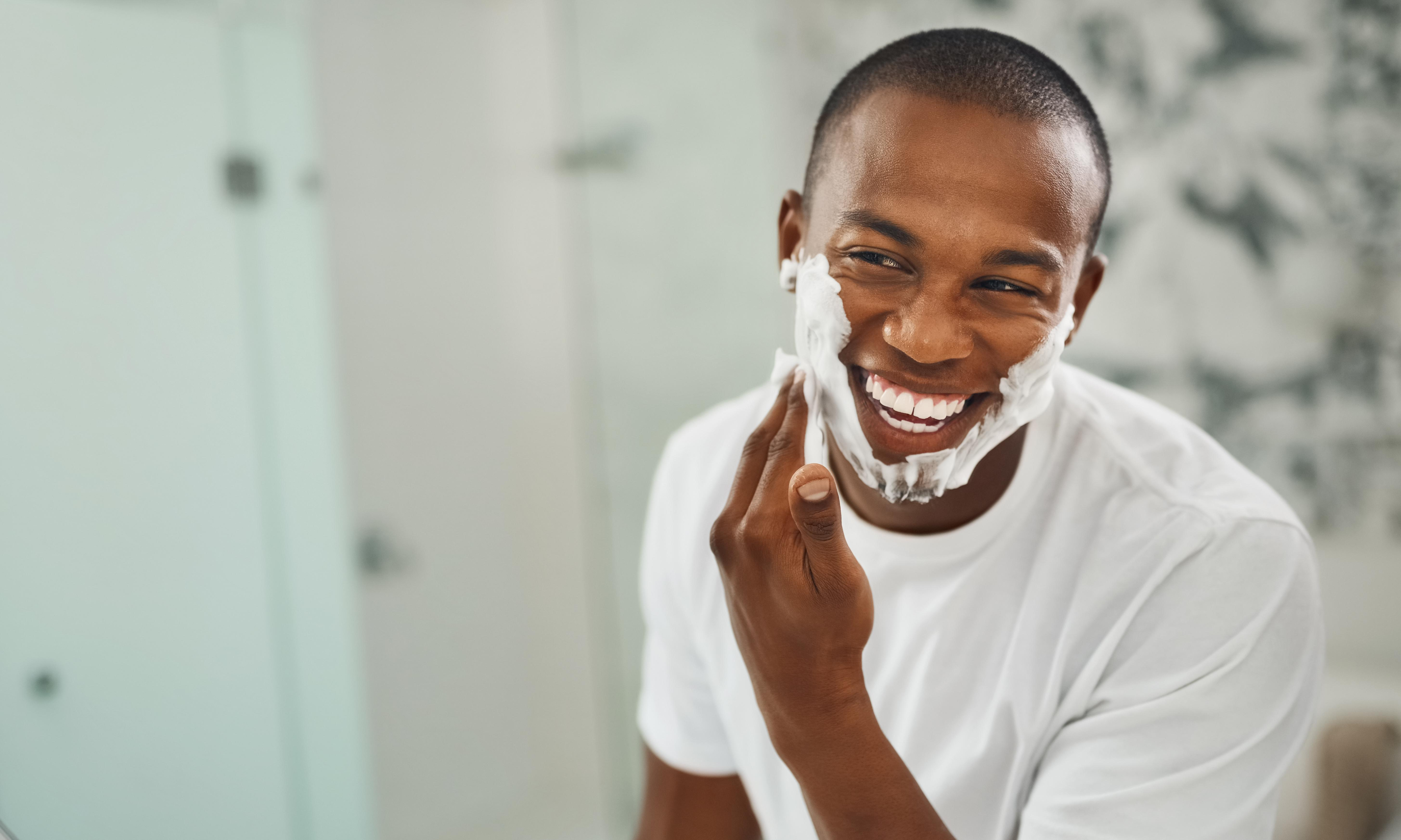 How to shave and groom male facial hair