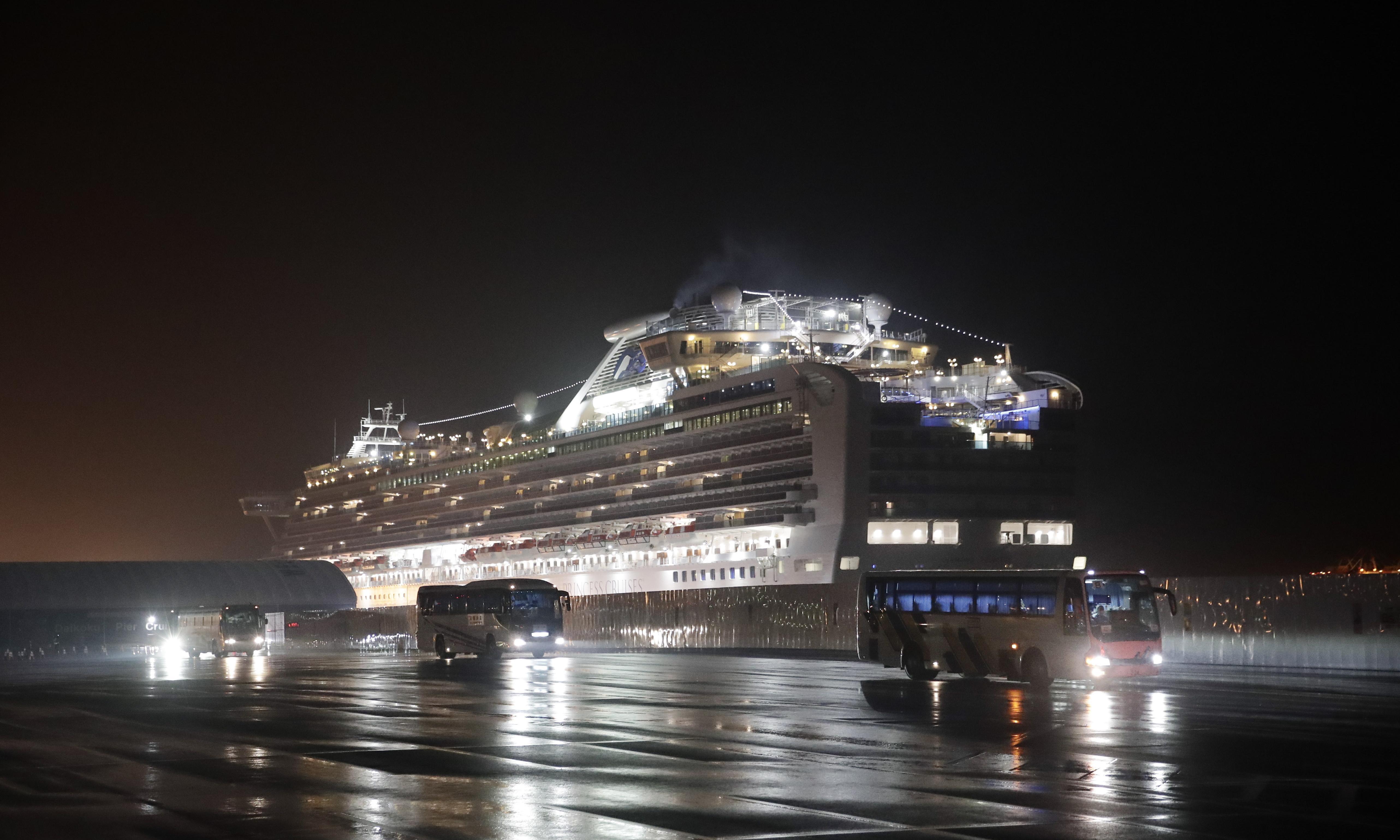 Australians stuck on coronavirus-hit Diamond Princess cruise ship prepare to evacuate to Darwin