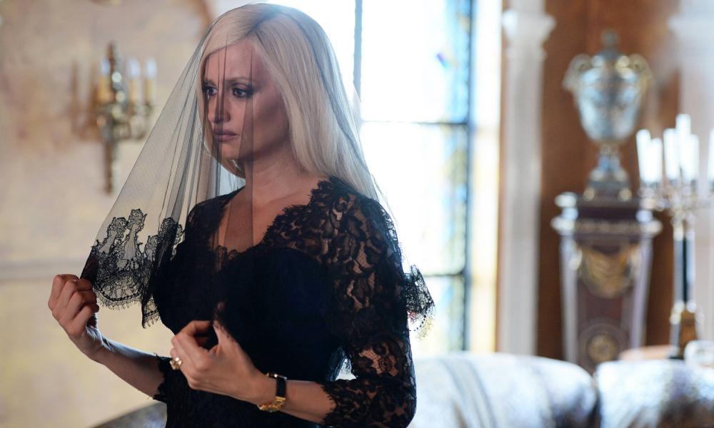 Penélope Cruz as Donatella Versace.