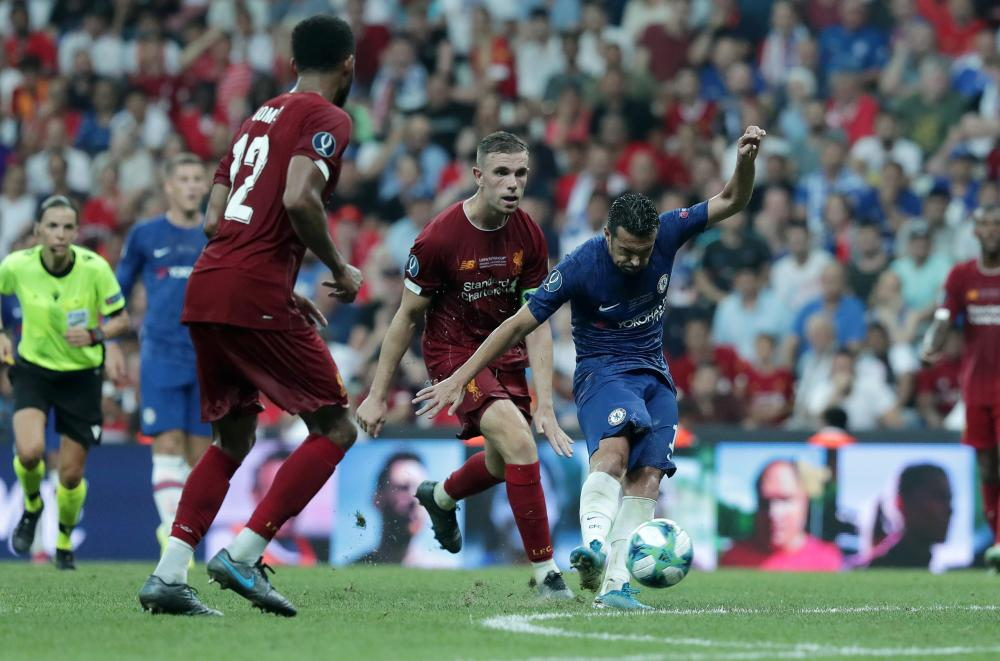 Pedro goes close.