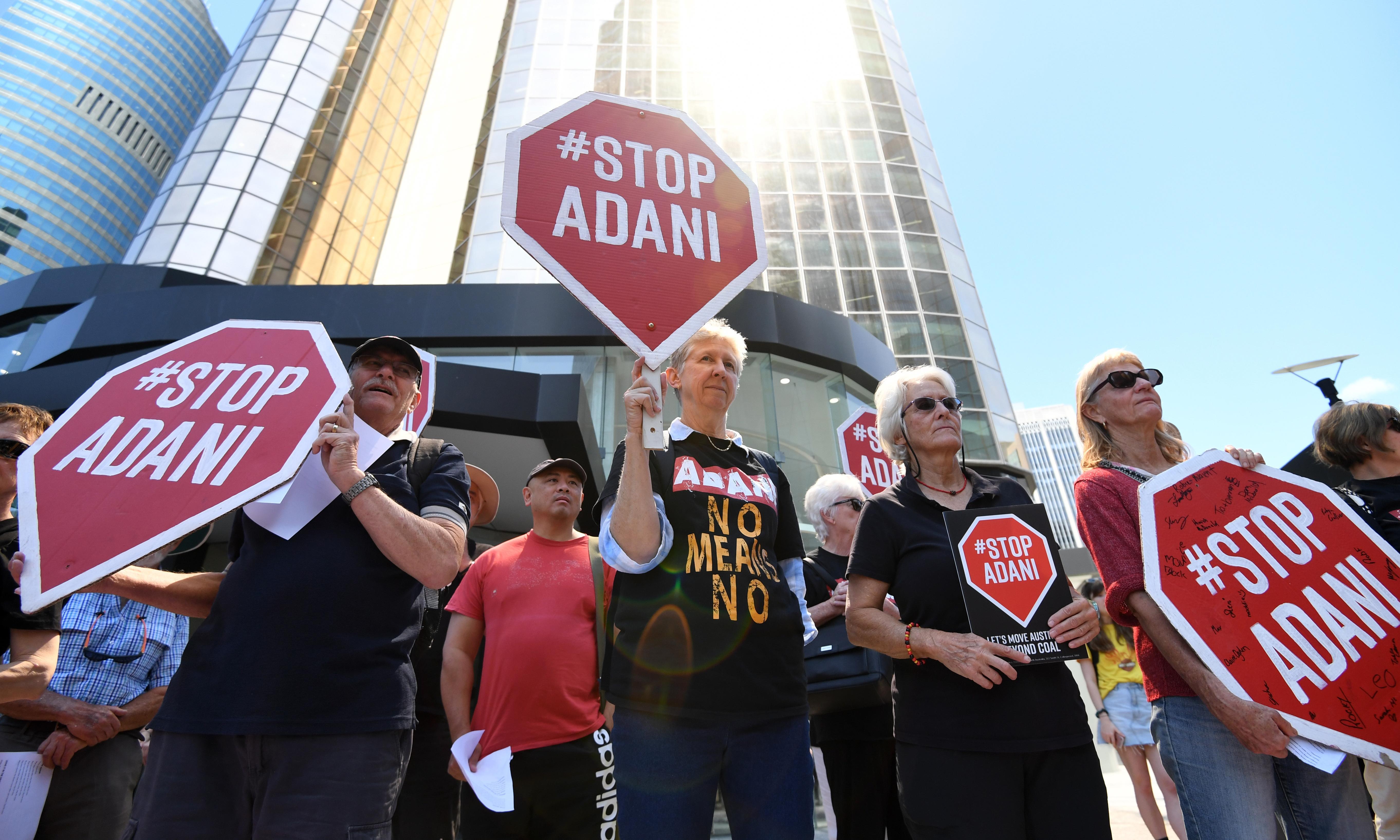 Adani coalmine: Axis Capital withdraws bid to insure Carmichael rail line
