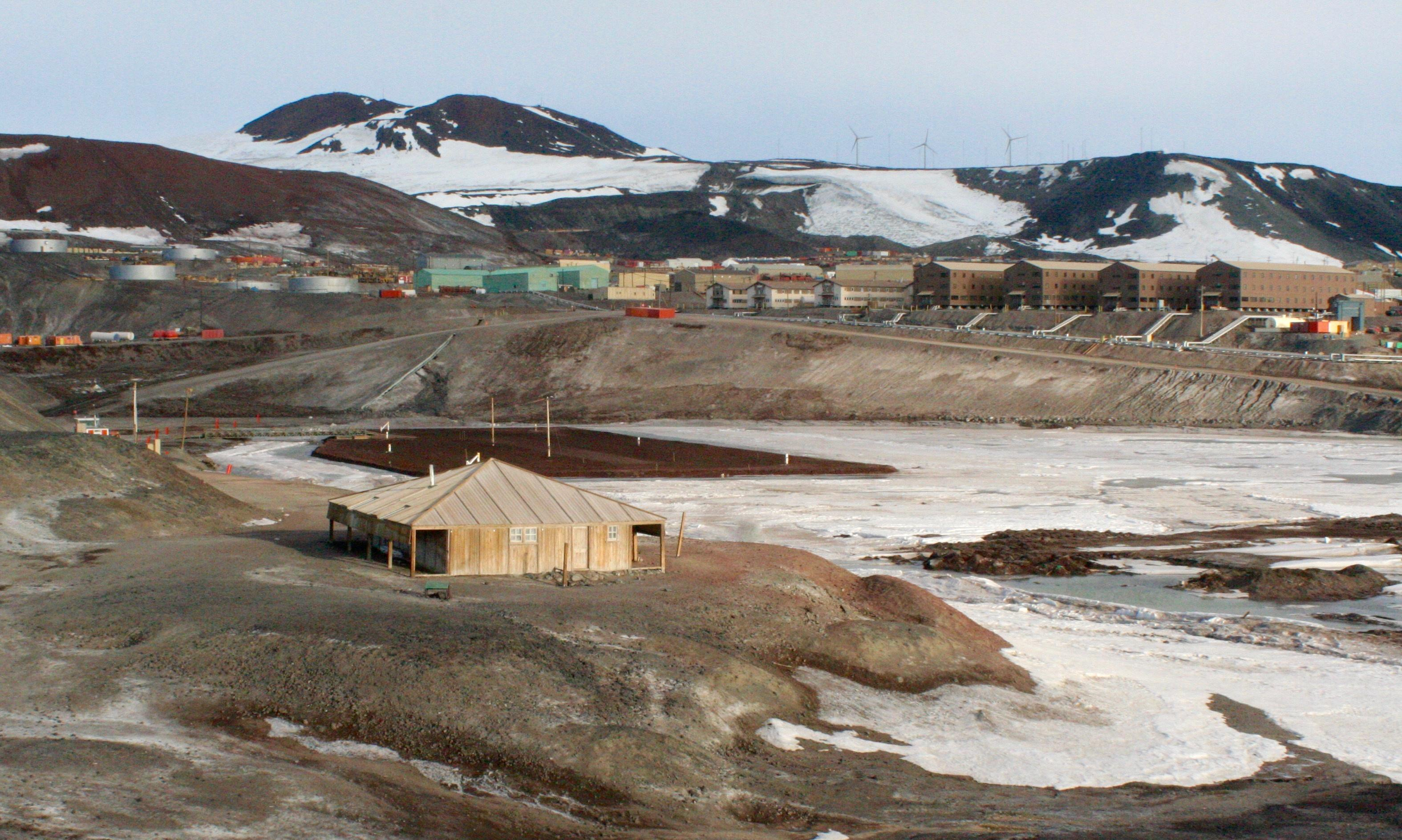 Two killed in accident at Antarctic research station