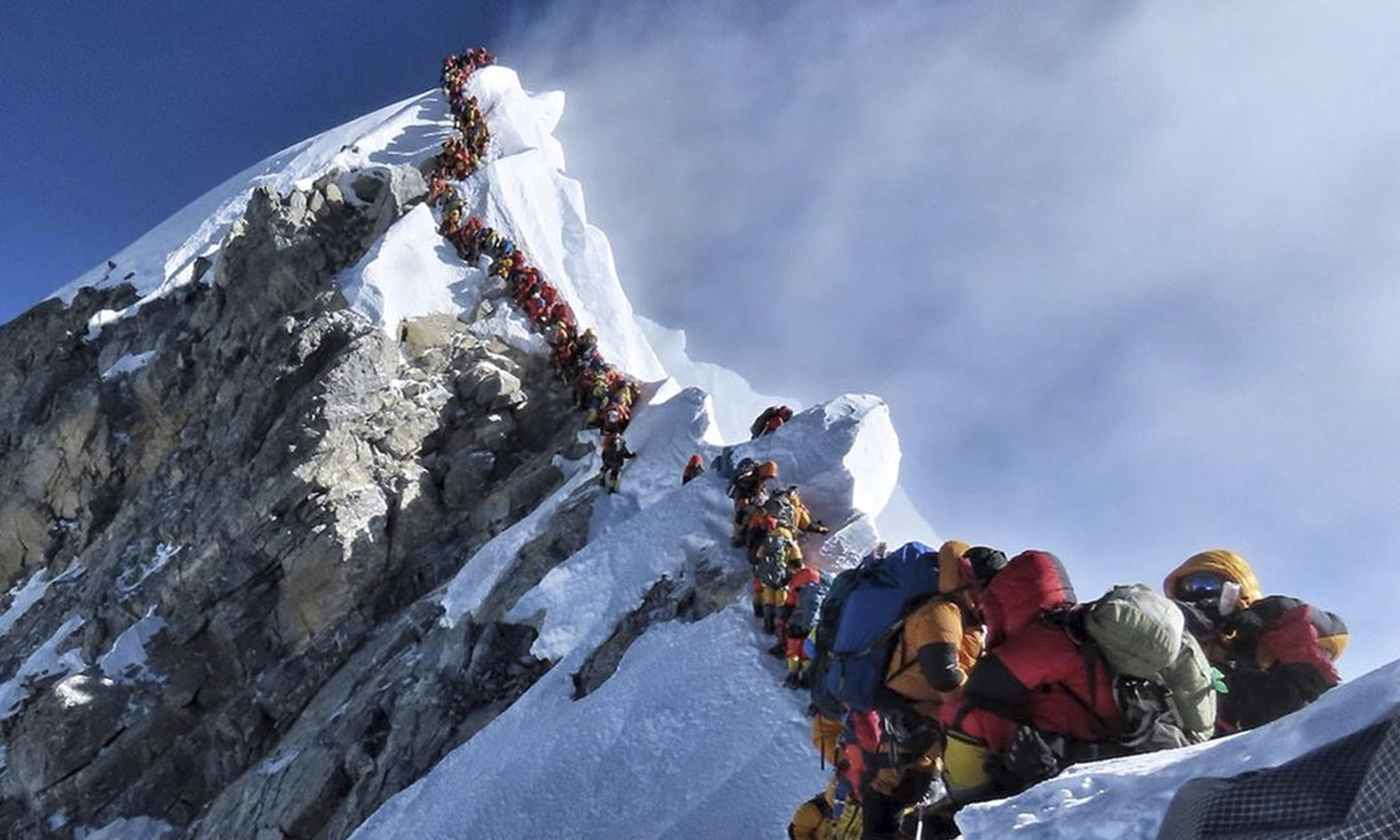Nepal sets new rules for Everest climbers after deadly season