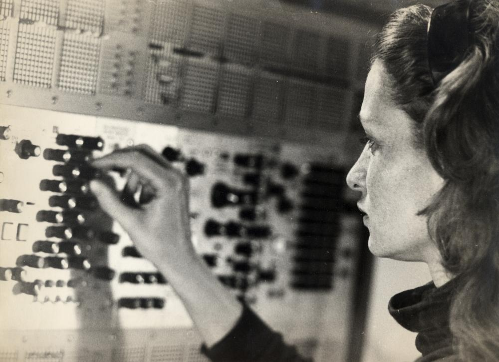 Mind-warping... Eliane Radigue.