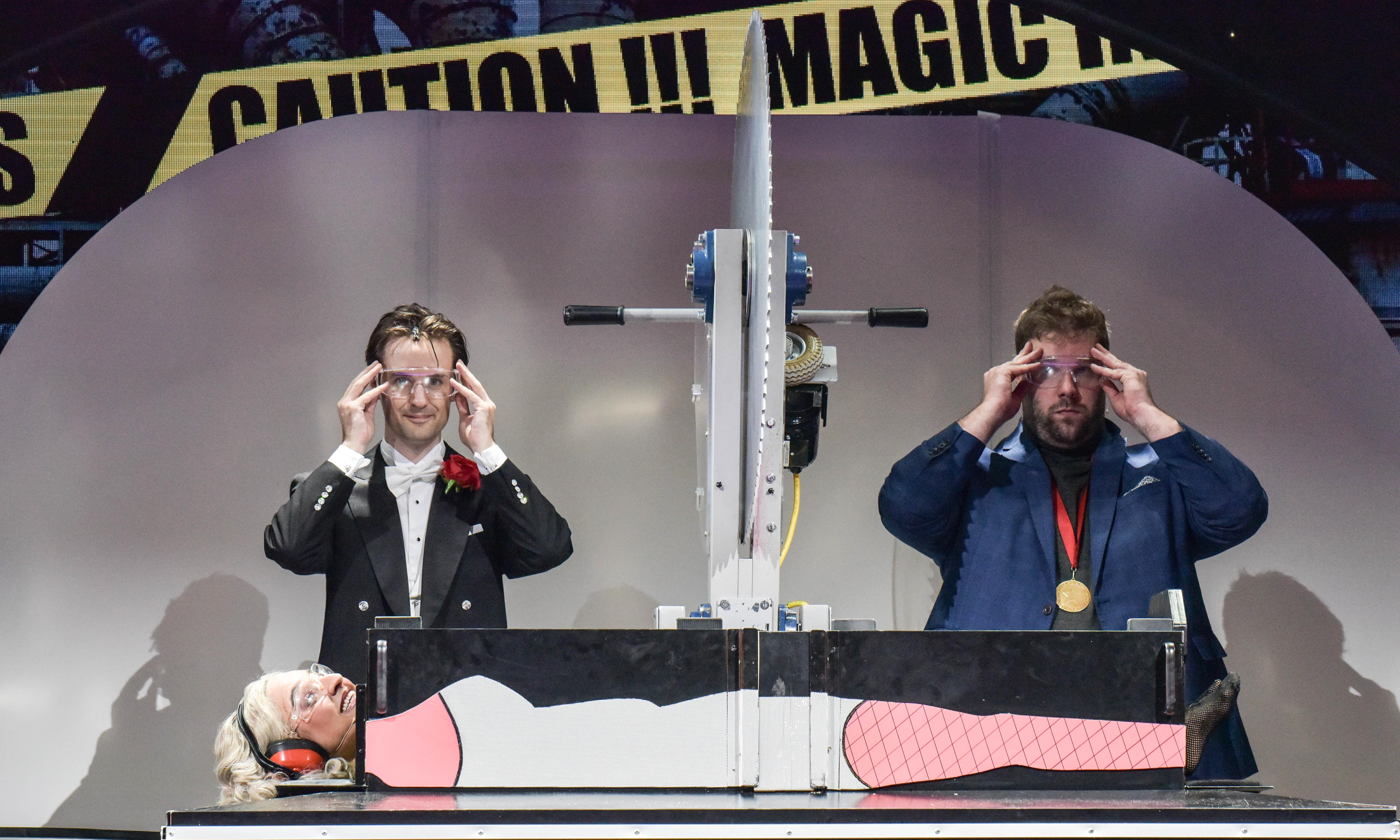 Magic Goes Wrong review – Penn & Teller mangle minds with Mischief Theatre