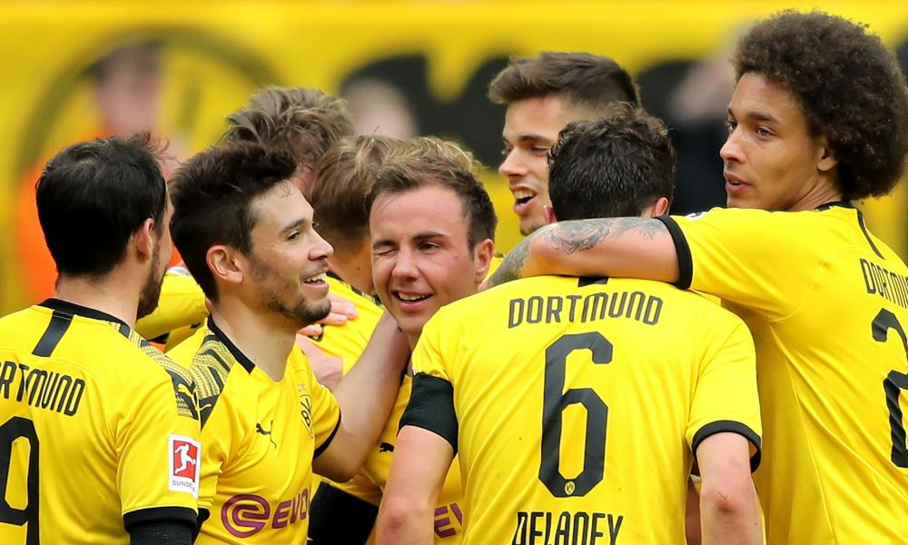 Mario Götze gives a wink after scoring for Borussia Dortmund against Fortuna Düsseldorf.