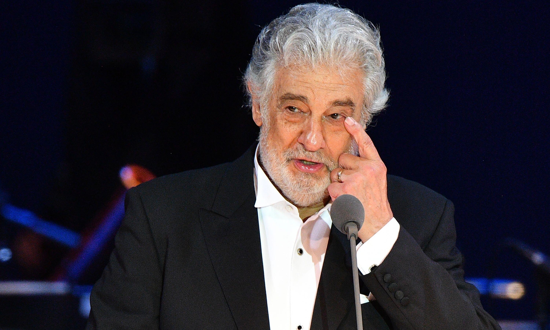 Plácido Domingo apologises to his accusers
