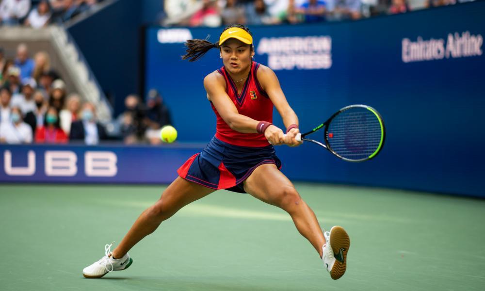 Emma Raducanu stretches for a backhand.