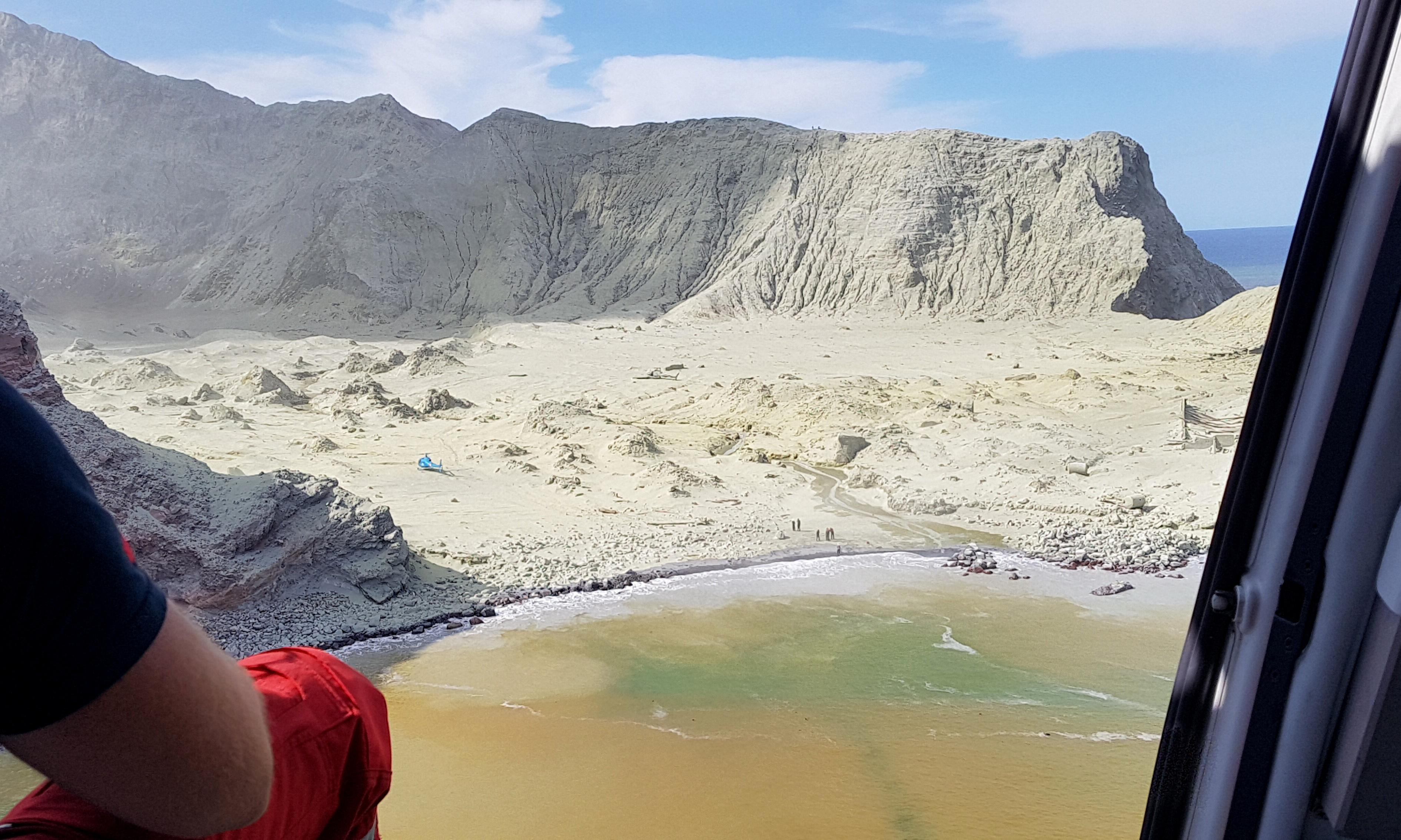 New Zealand helicopter pilot describes horror of volcano rescue