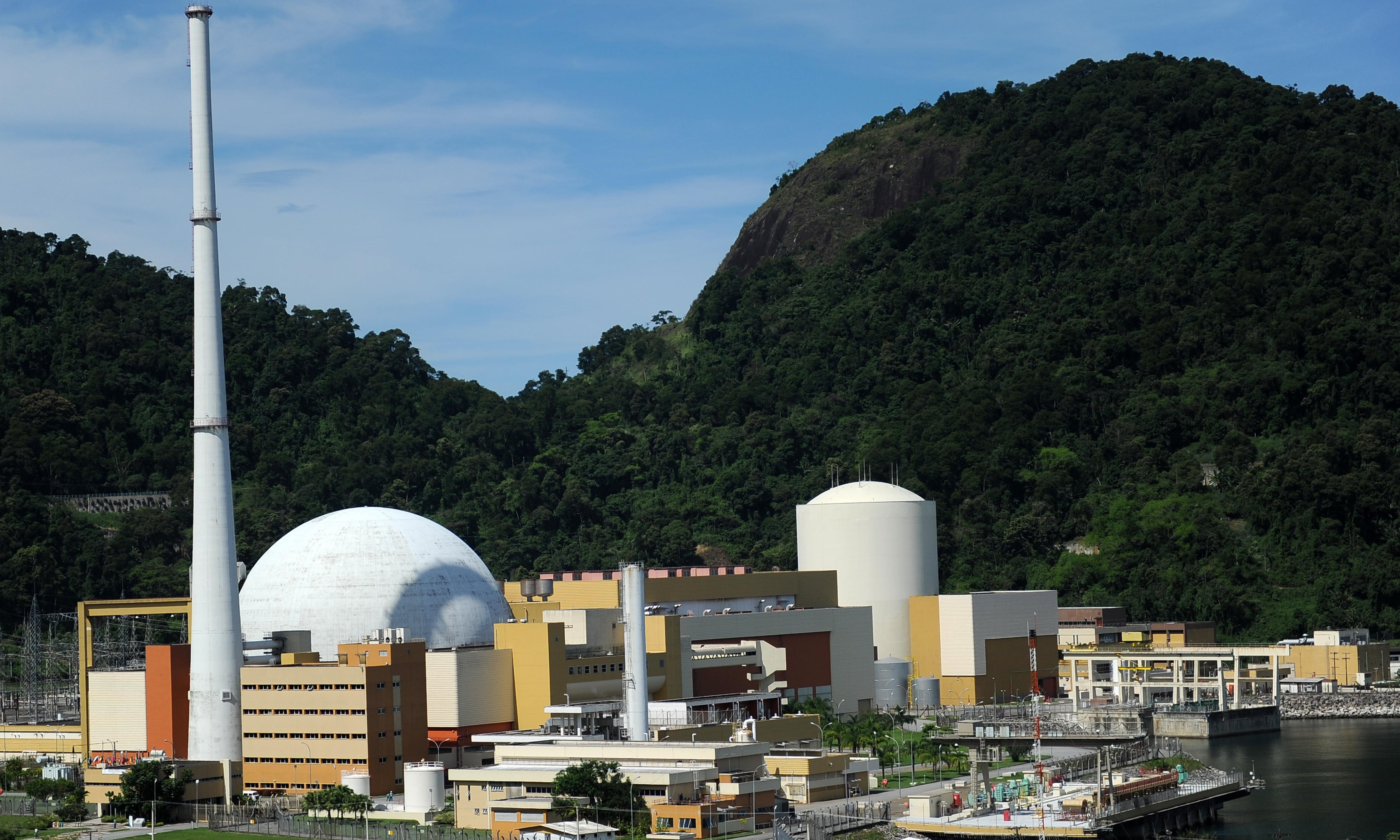 Brazilian drug gang opens fire on convoy of trucks carrying nuclear fuel