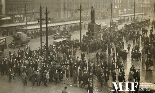 Crowds awaiting news on the General Strike in Piccadilly Gardens, 5 May 1926.