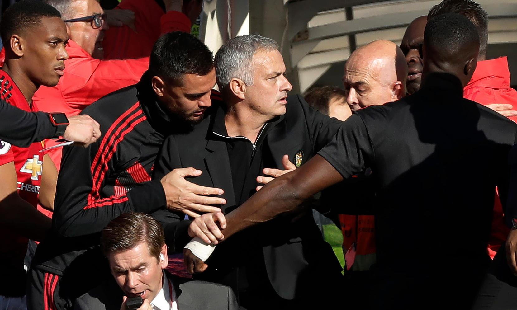 Welcome back José: football photographers such as me are delighted