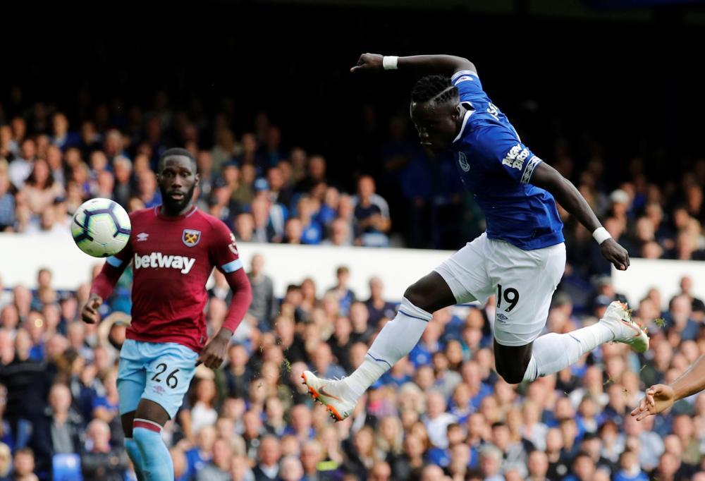 September 16: Everton's Oumar Niasse shoots at goal against West Ham.