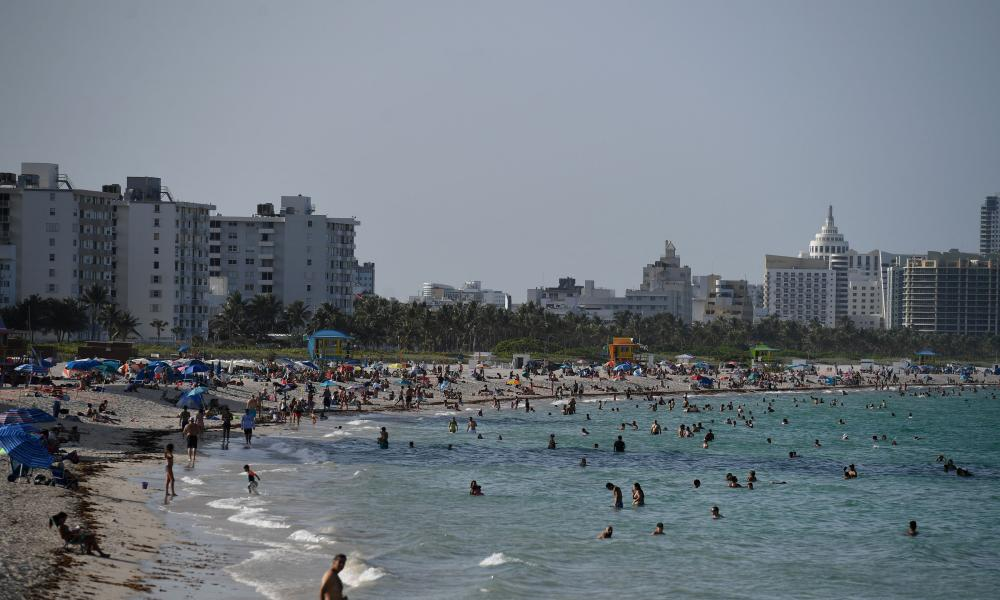 South Florida beaches are to close for 4 July weekend amid fears the state's reopening plan is not working. It follows reports of another record surge in coronavirus cases.