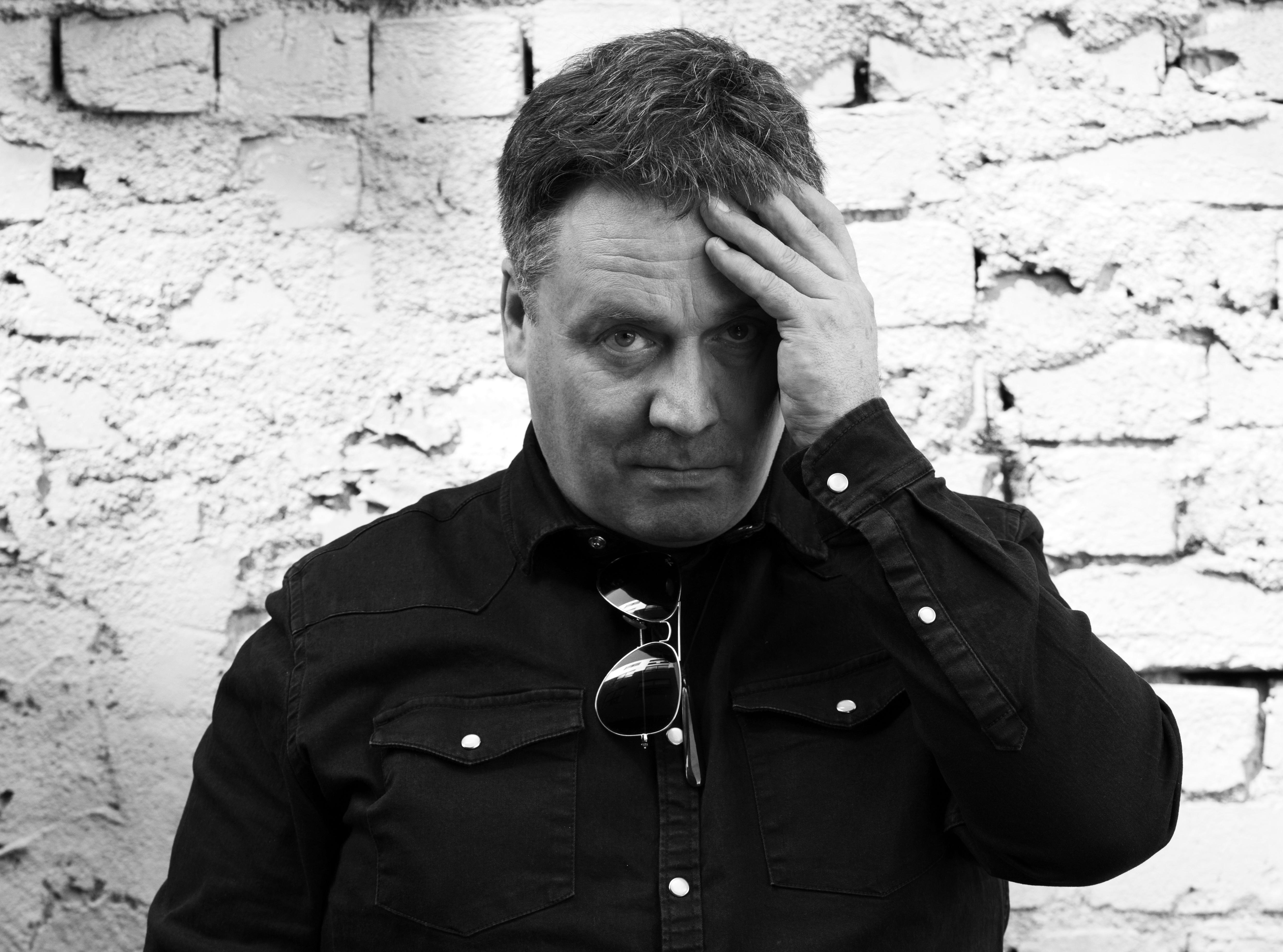 The Chills review – Martin Phillipps' triumph and tragedy told with extraordinary candour