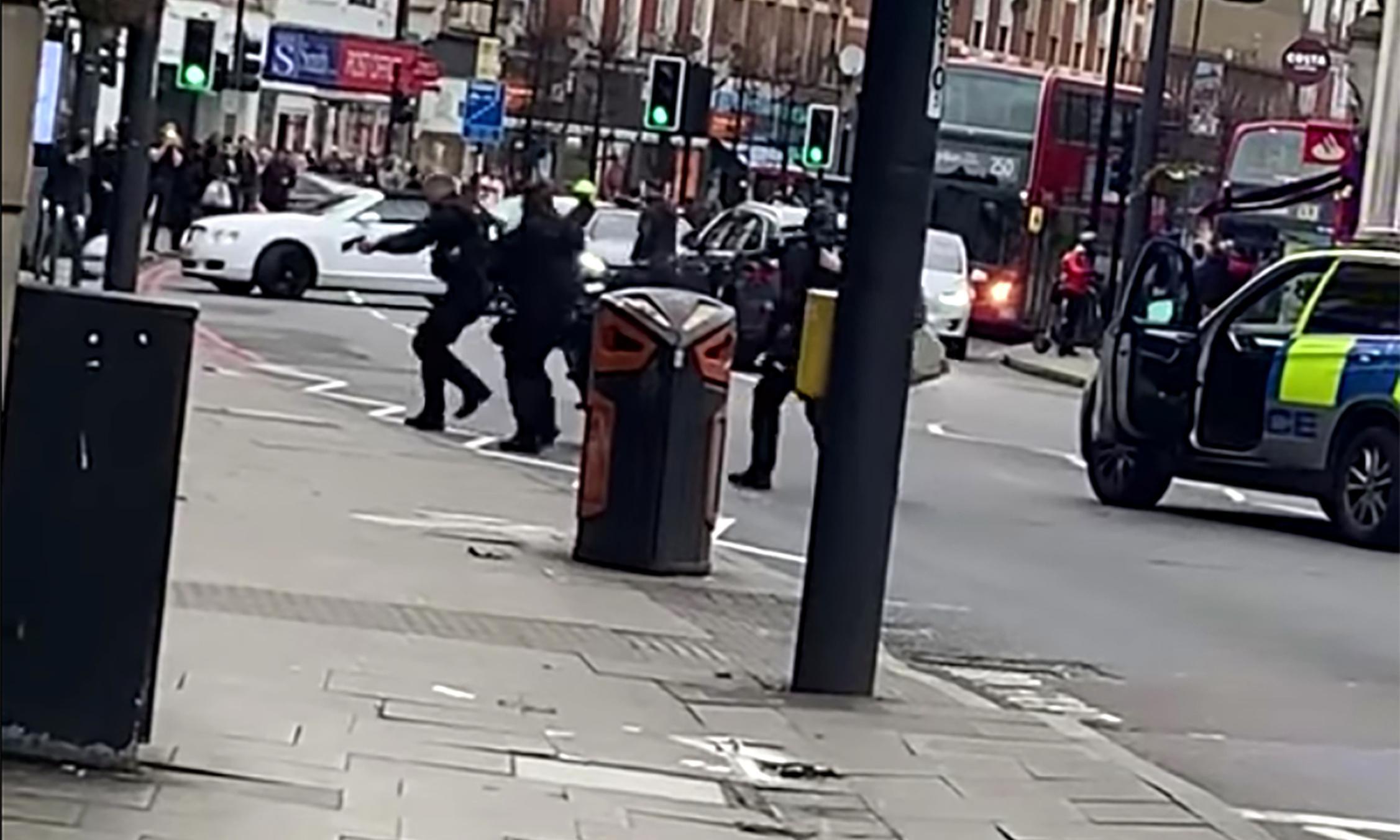 Junior police 'must make split second decisions on terrorists'