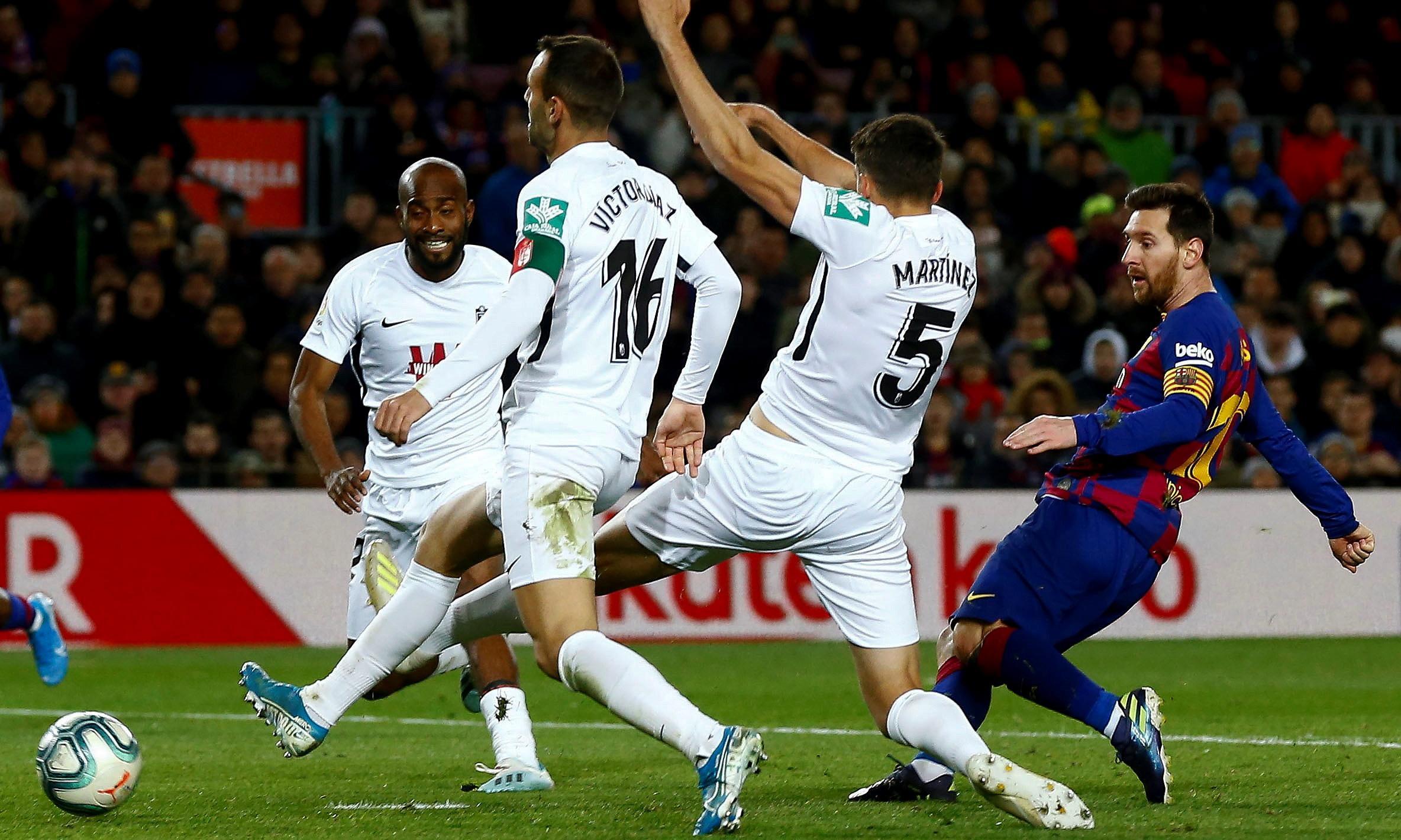 Lionel Messi gets Quique Setién's Barcelona reign off to winning start