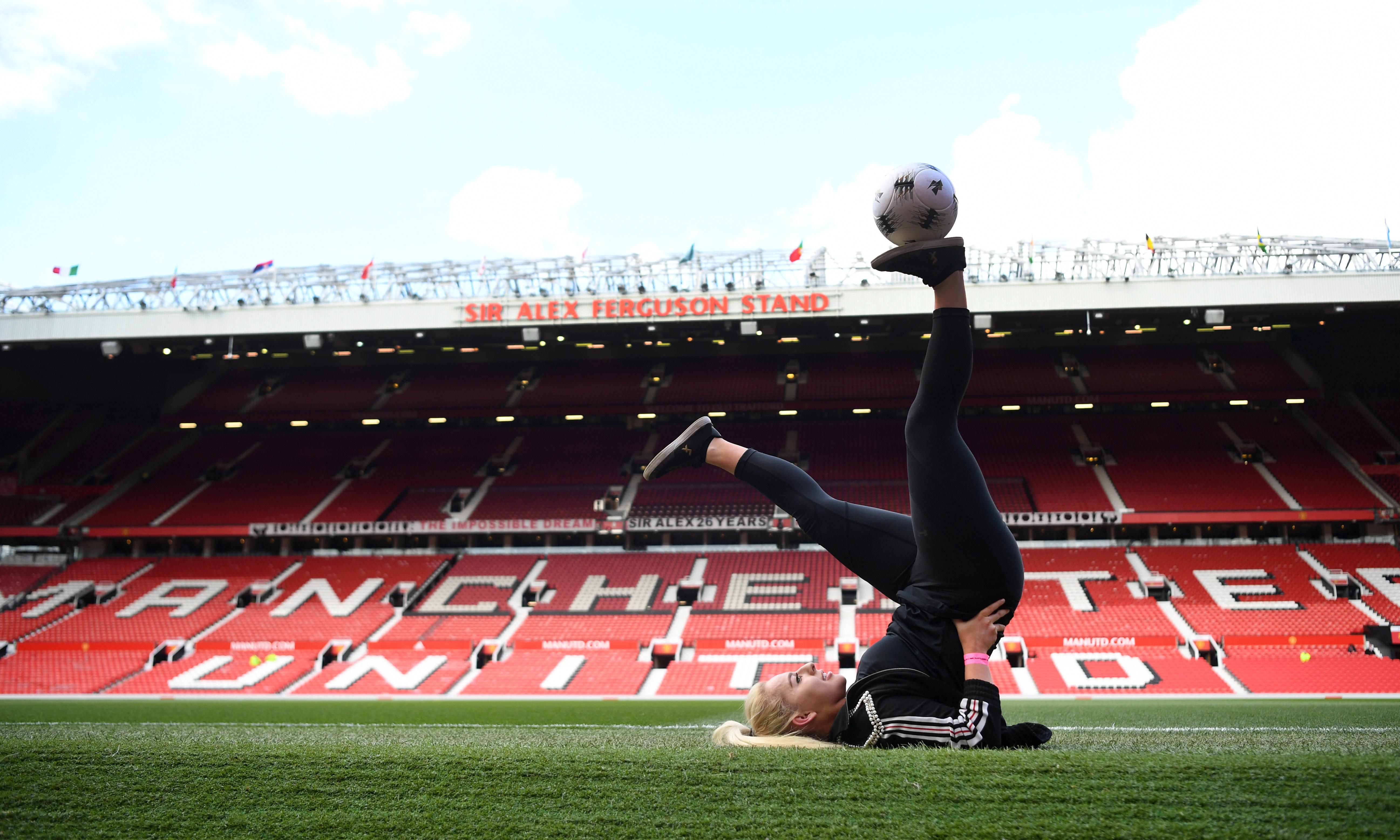 TV tonight: dive into the thriving world of women's football