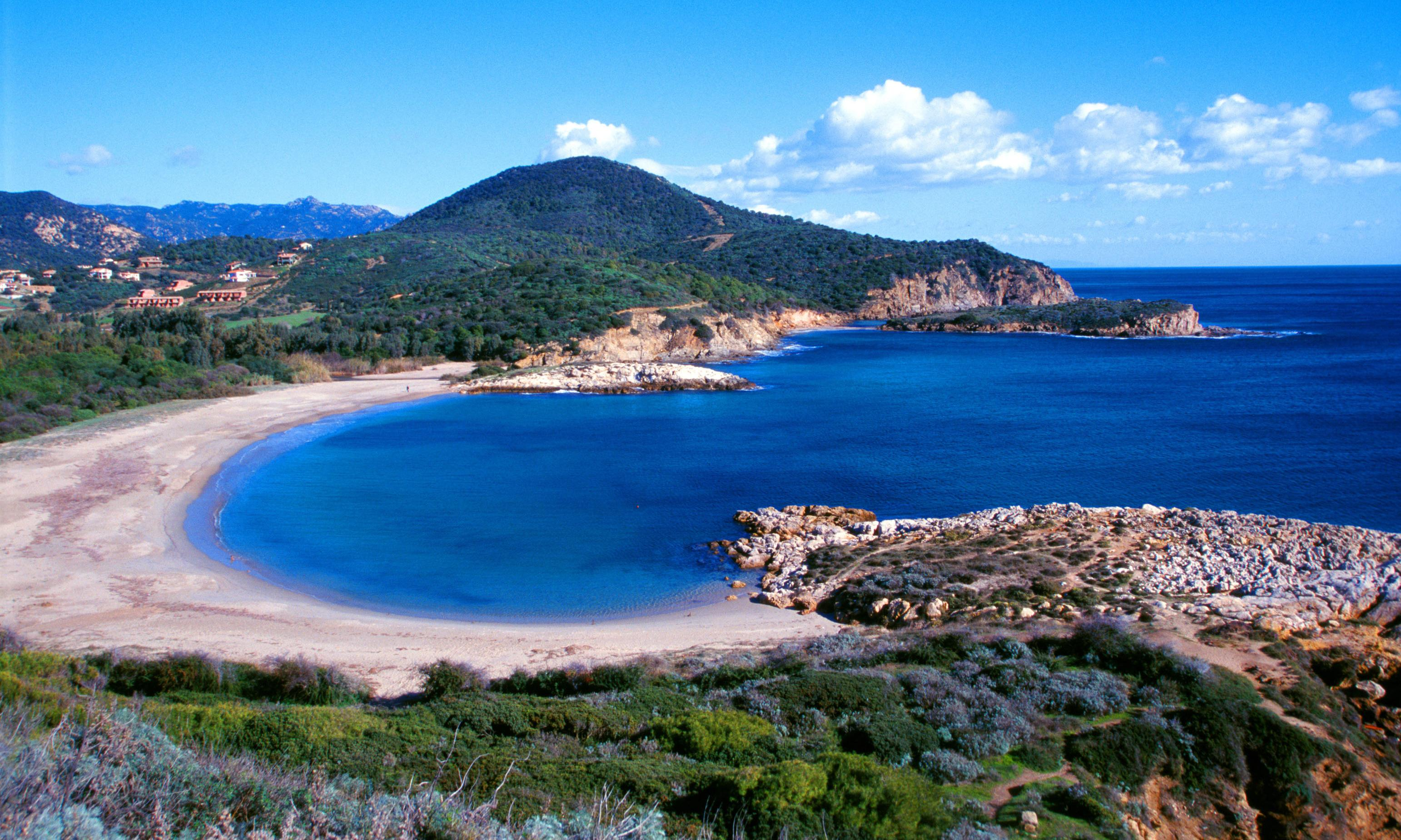 French tourists face six years in jail over claims they stole Sardinia sand