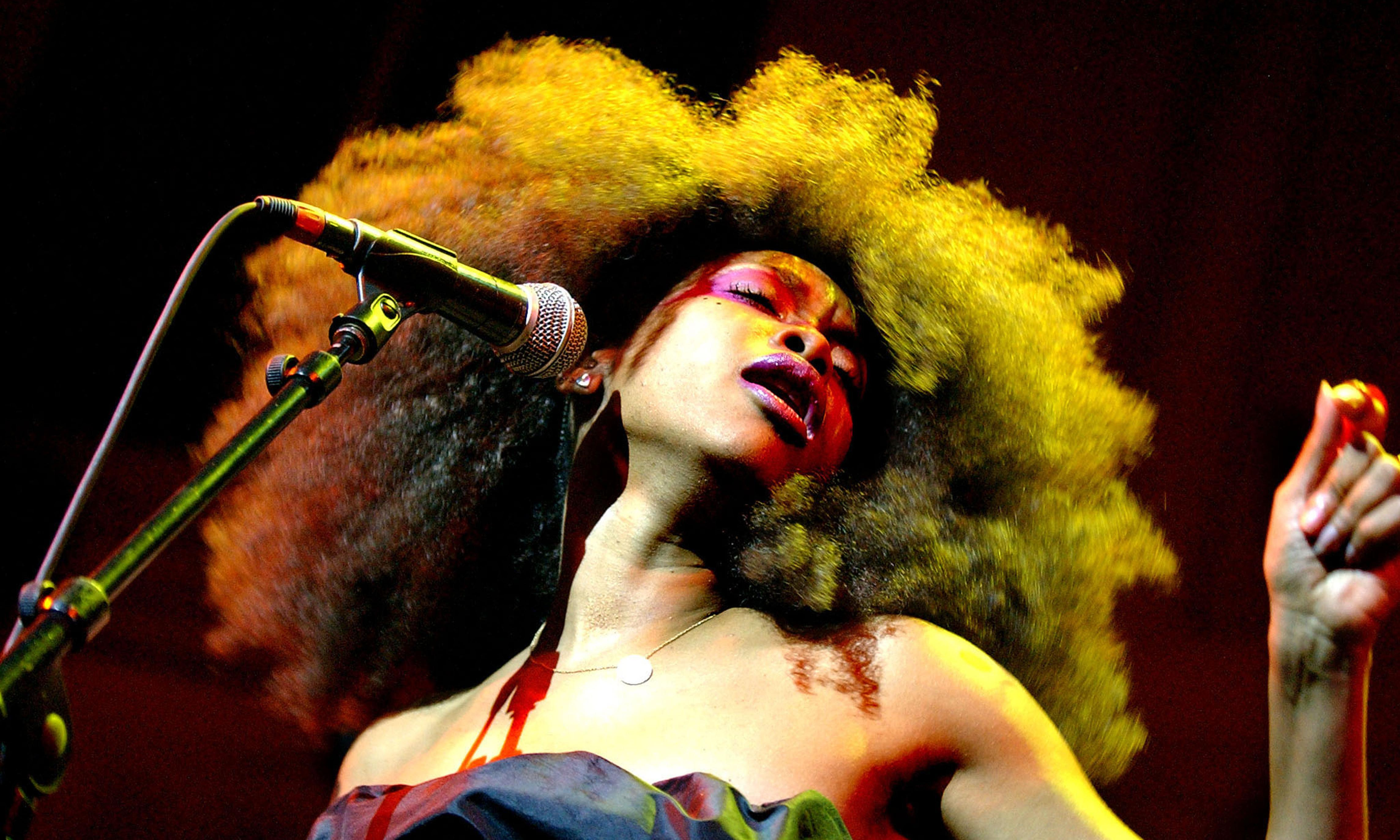 Erykah Badu is making vagina-scented incense. A perfumer explained it to us