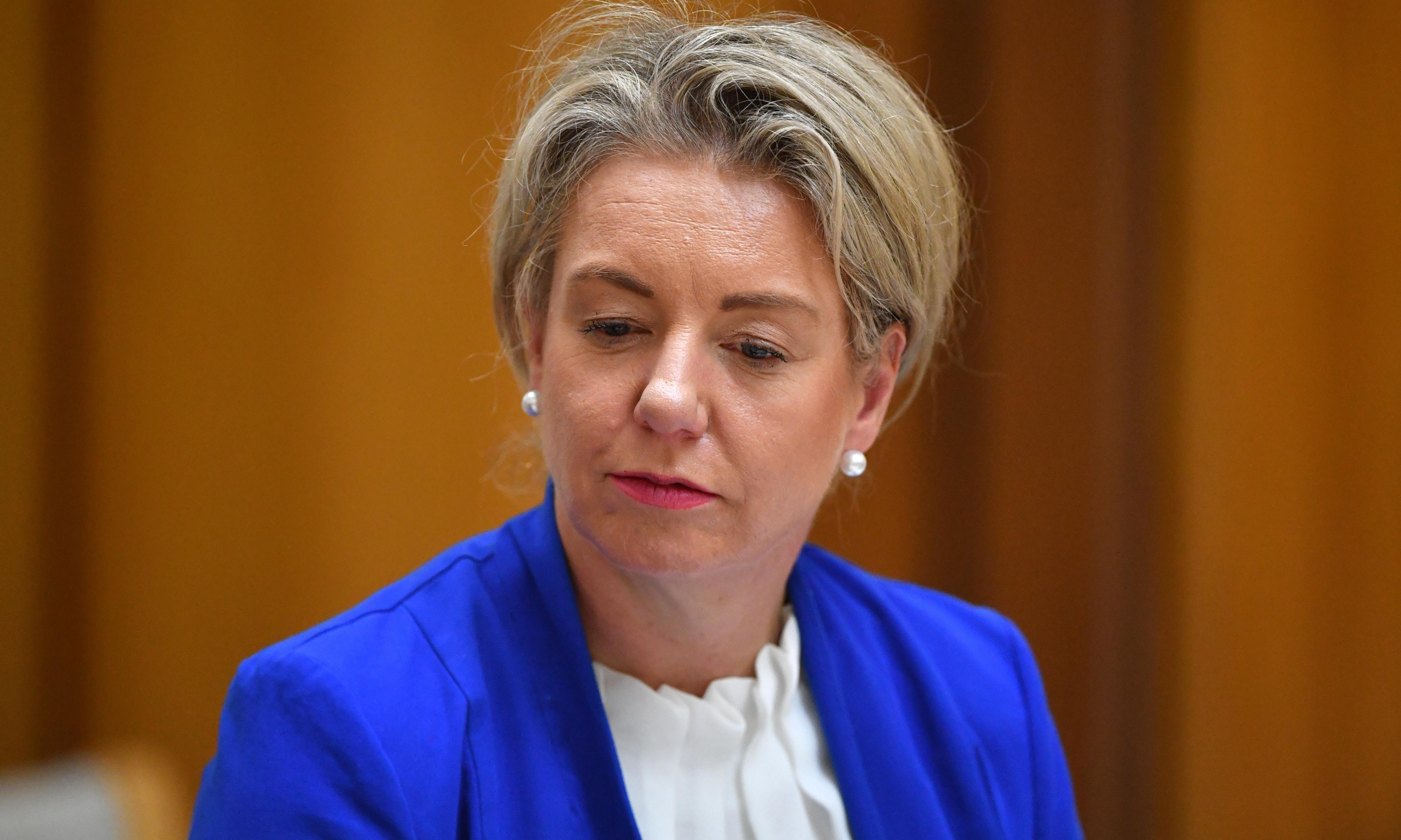 Bridget McKenzie's office told 'not appropriate' to approve sports grants after applications closed