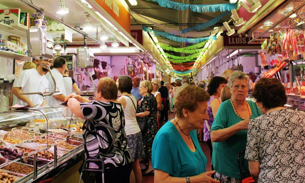 A market stopoff on Barcelona Eat Local's morning walking tour.