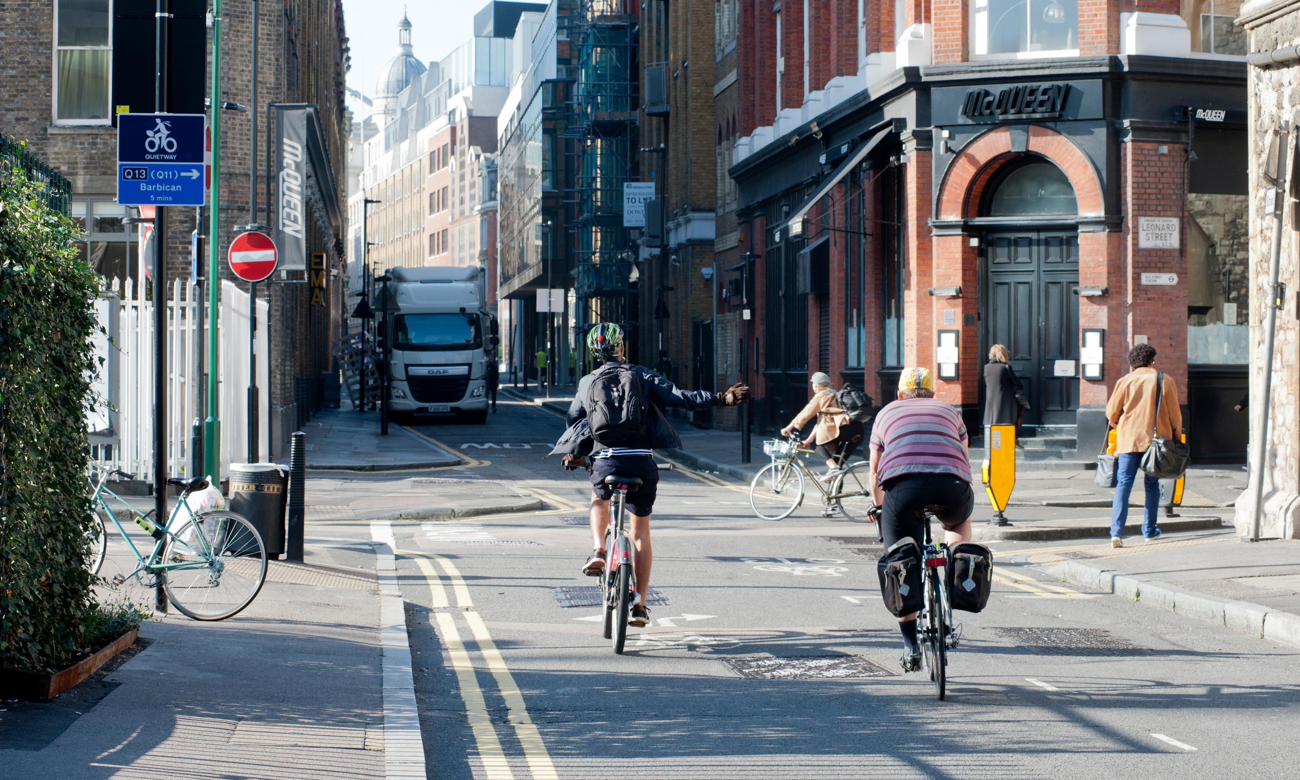 Sadiq Khan announces car-free day in London to tackle air pollution