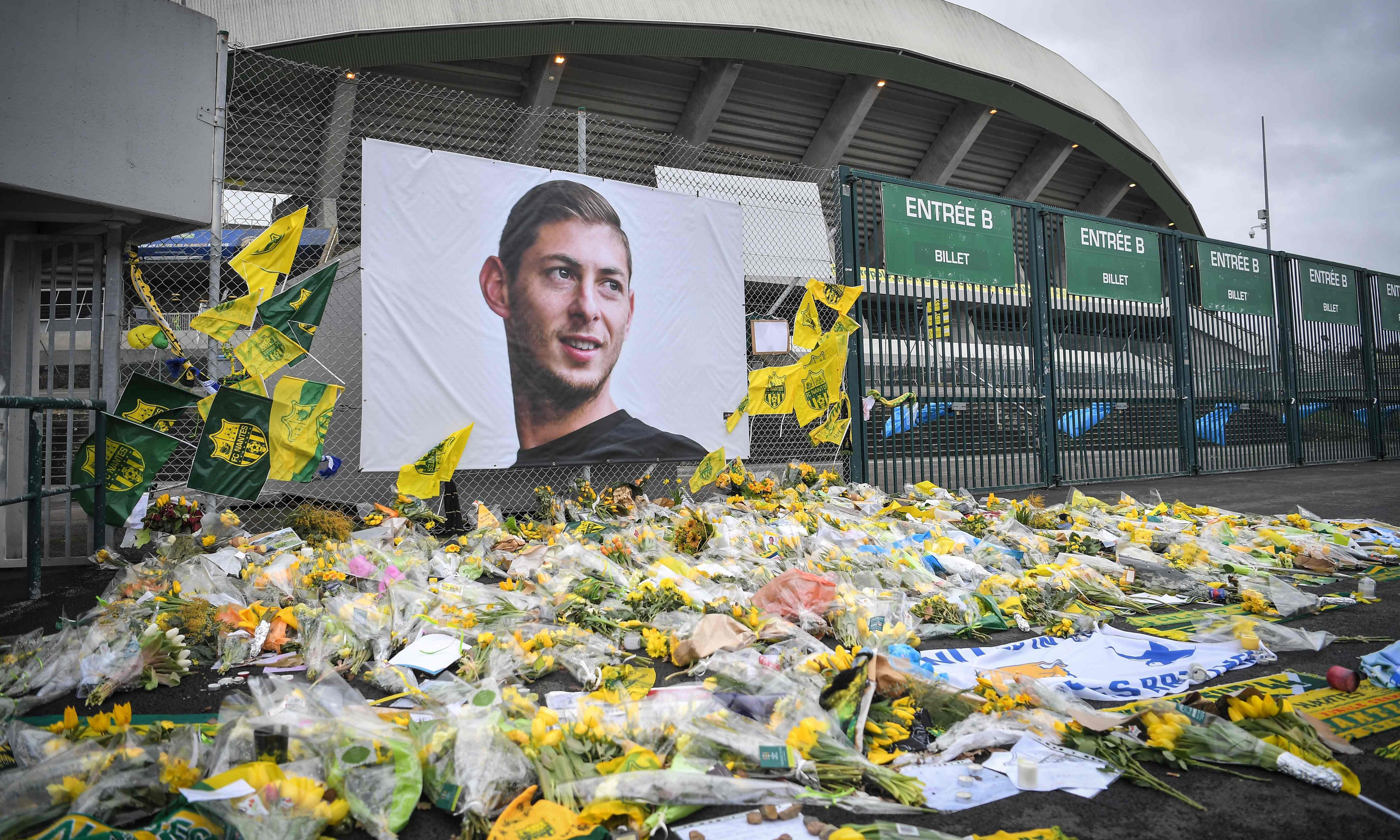 Cardiff to tell Fifa that Emiliano Sala's transfer from Nantes was invalid