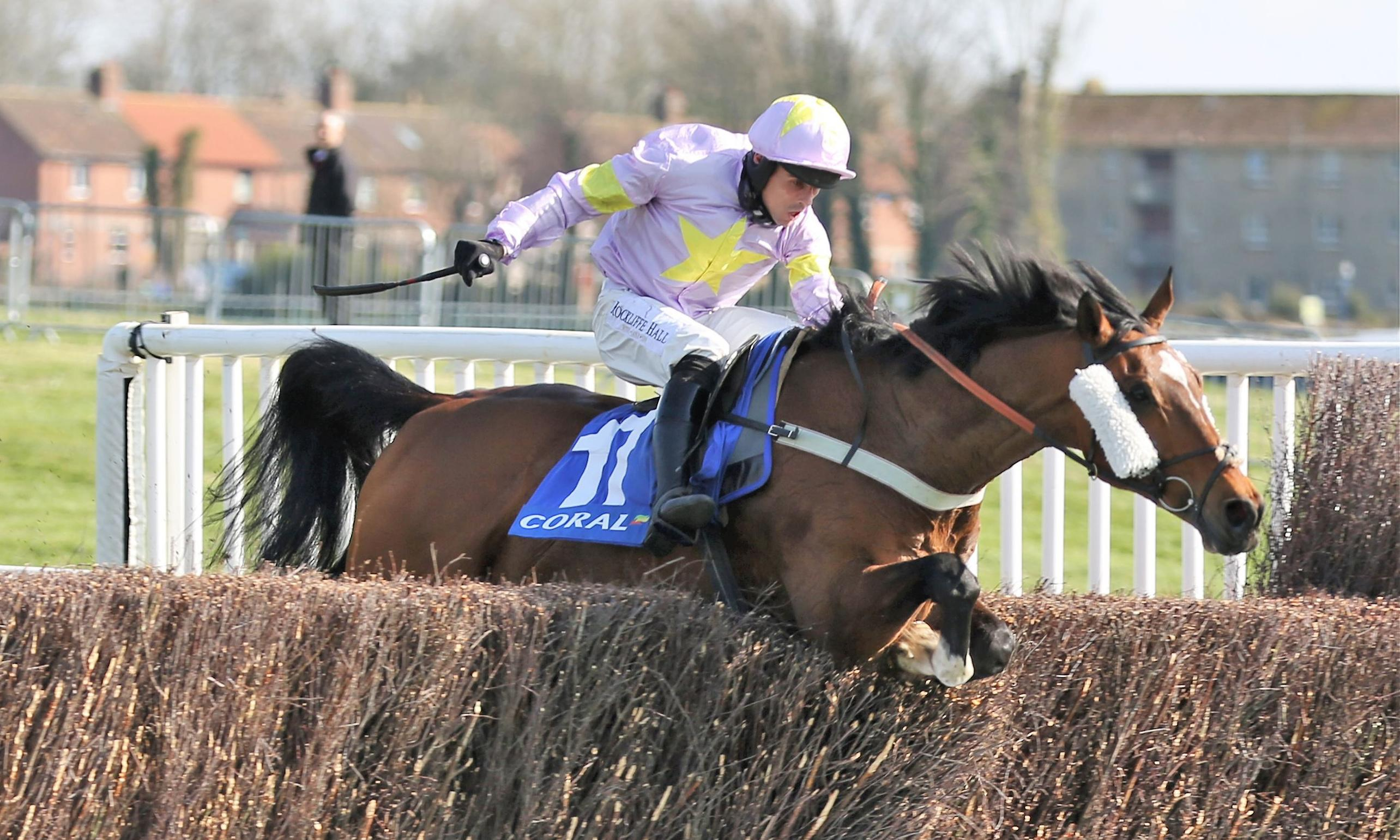 Takingrisks lives up to name on way to winning Scottish Grand National