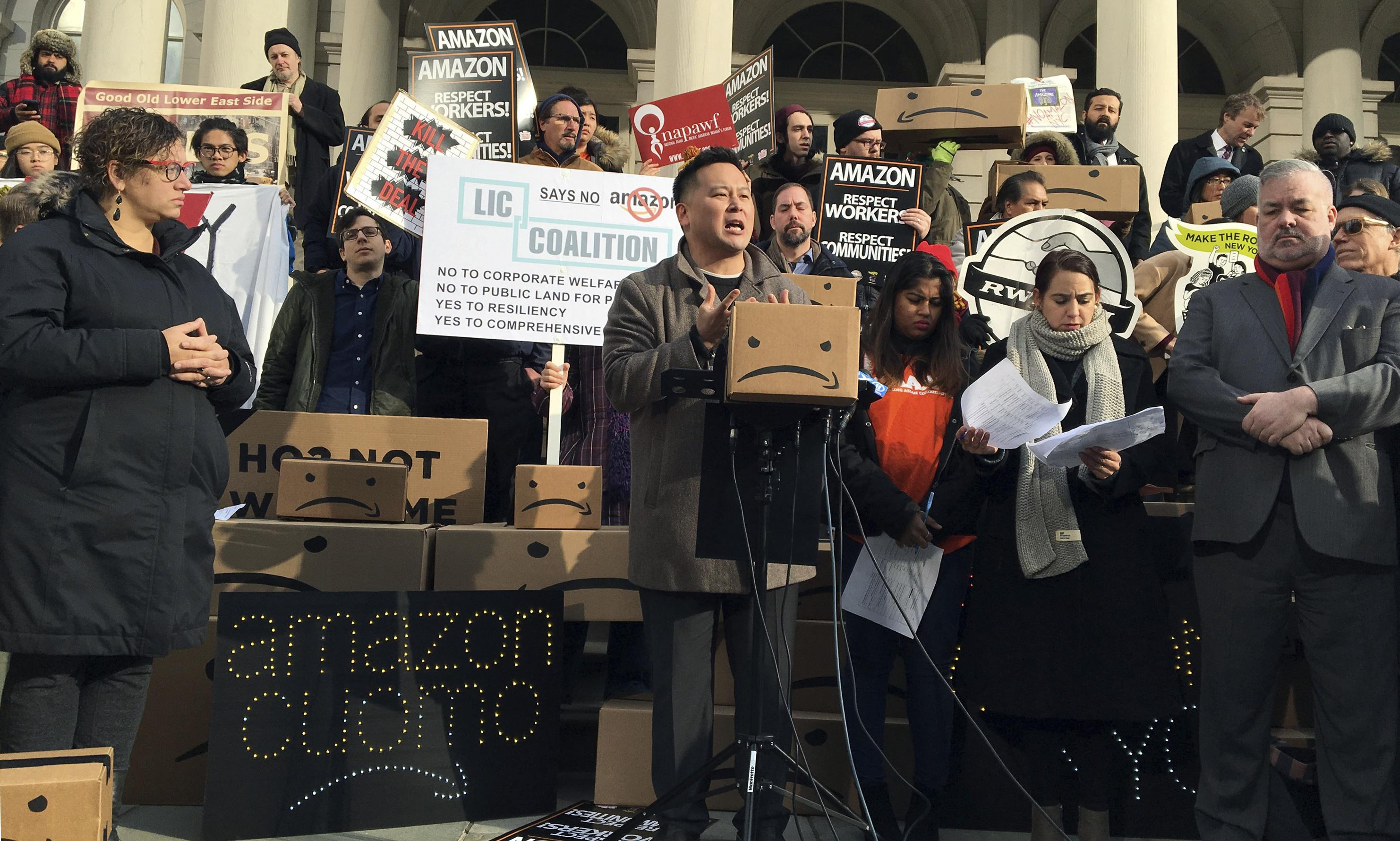 Amazon meets public opposition at first hearing for New York headquarters