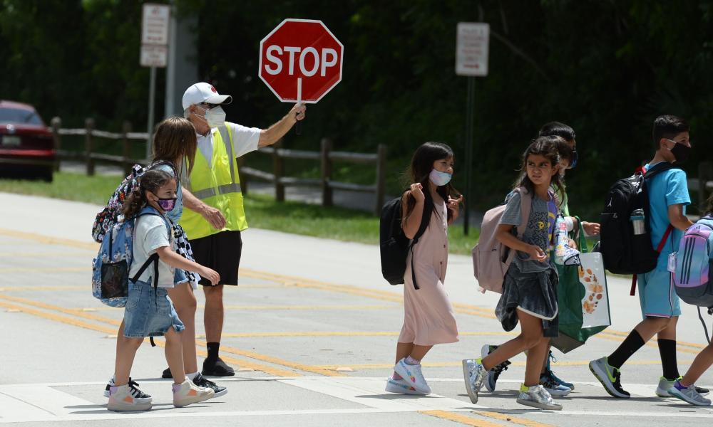 Children walking to school in the US