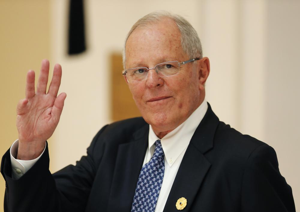Peru's President Pedro Pablo Kuczynski survived a vote in Congress yesterday to impeach him, but remains under pressure to block a proposed law promoting highway construction in the remote Amazon.