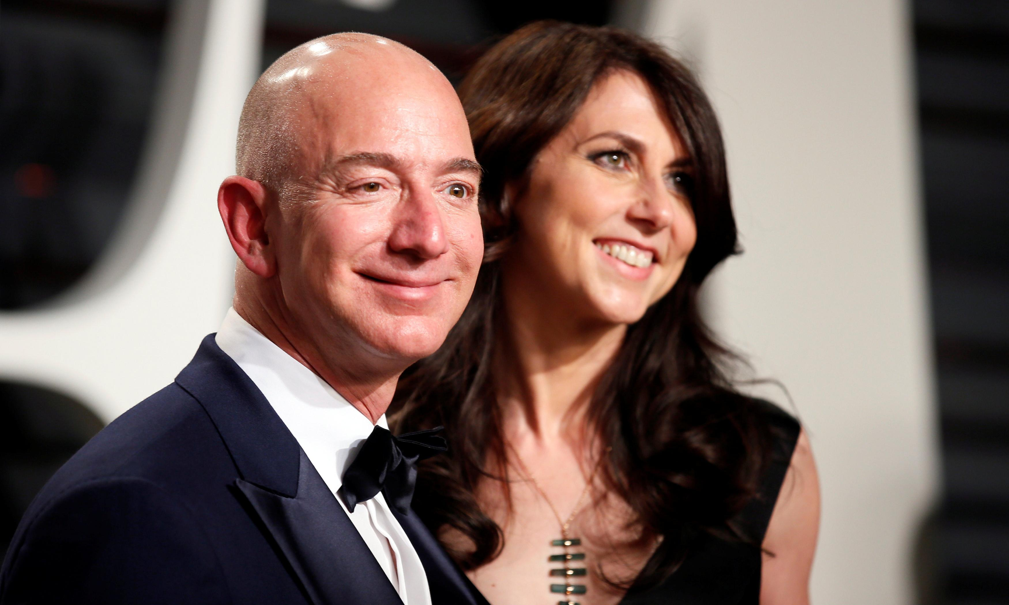 Amazon's Jeff Bezos pays out $38bn in divorce settlement