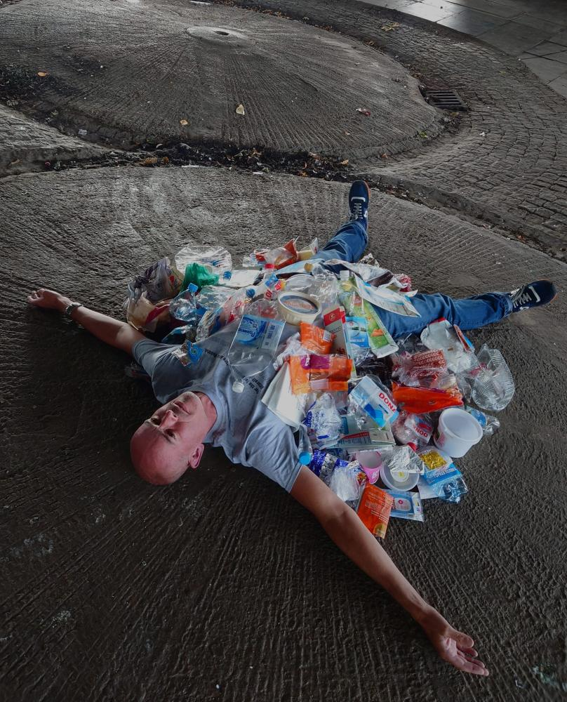 'You wouldn't believe what we found' … Rob Hamp's Art Can Be Rubbish Too project.