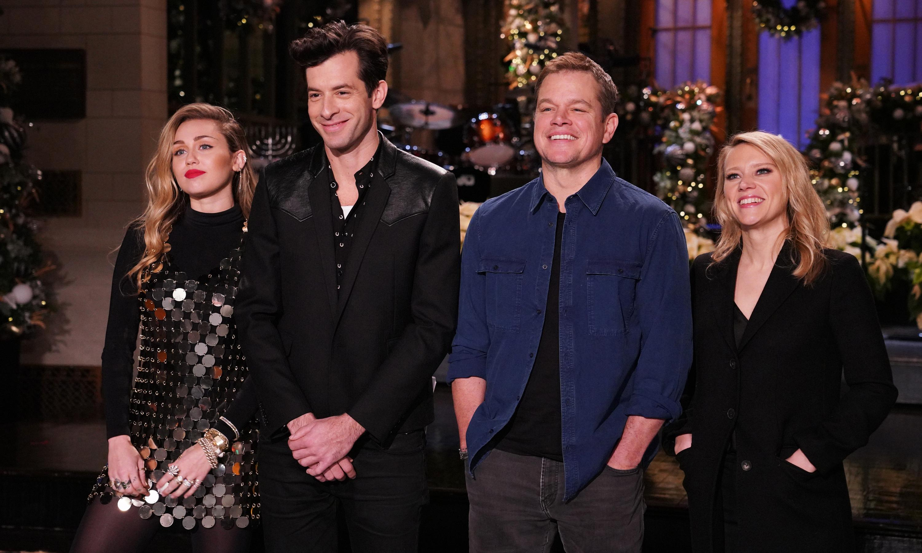 Saturday Night Live: solid Christmas episode with Matt Damon and Miley Cyrus
