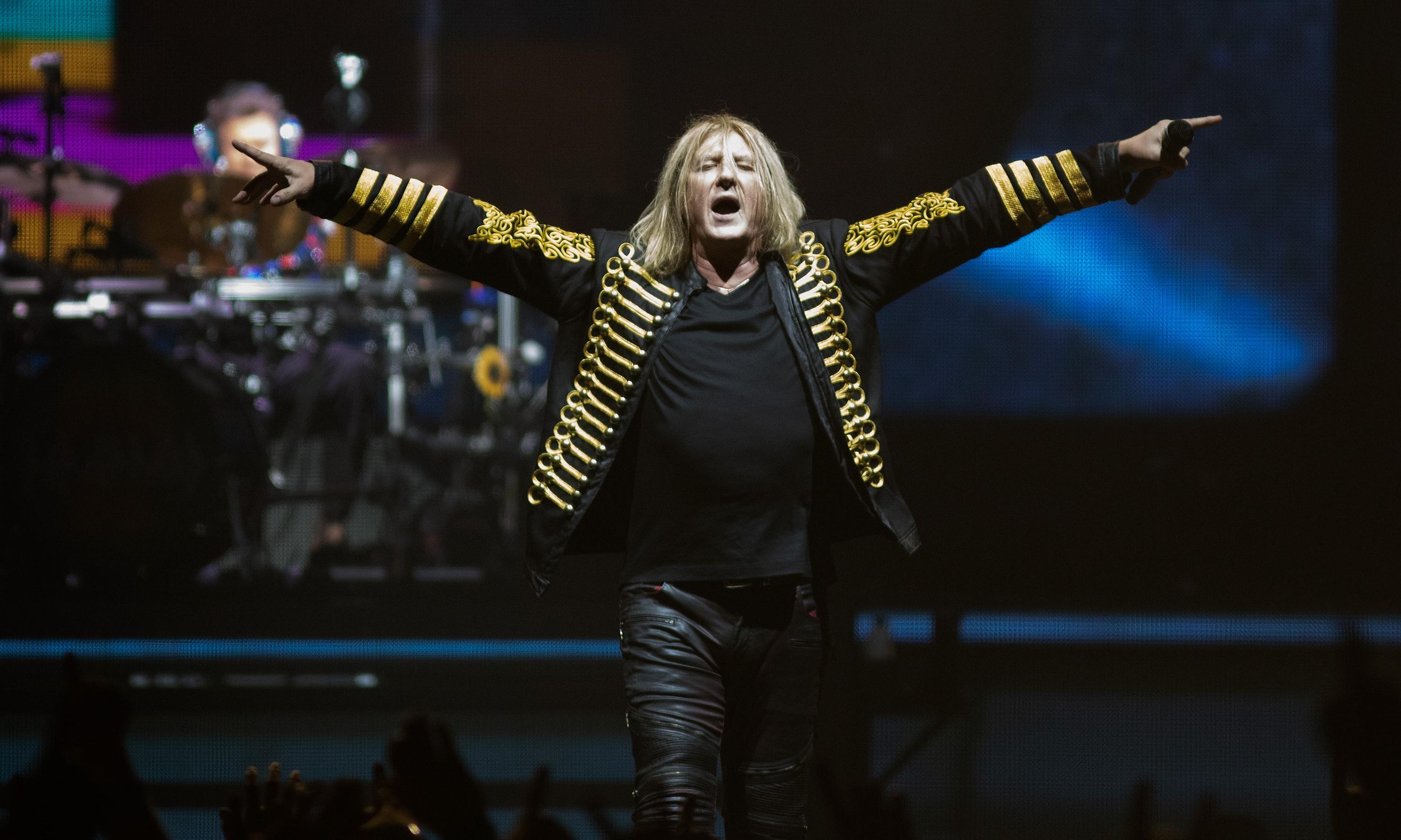 Def Leppard review – metal legends revisit a riff-laden classic