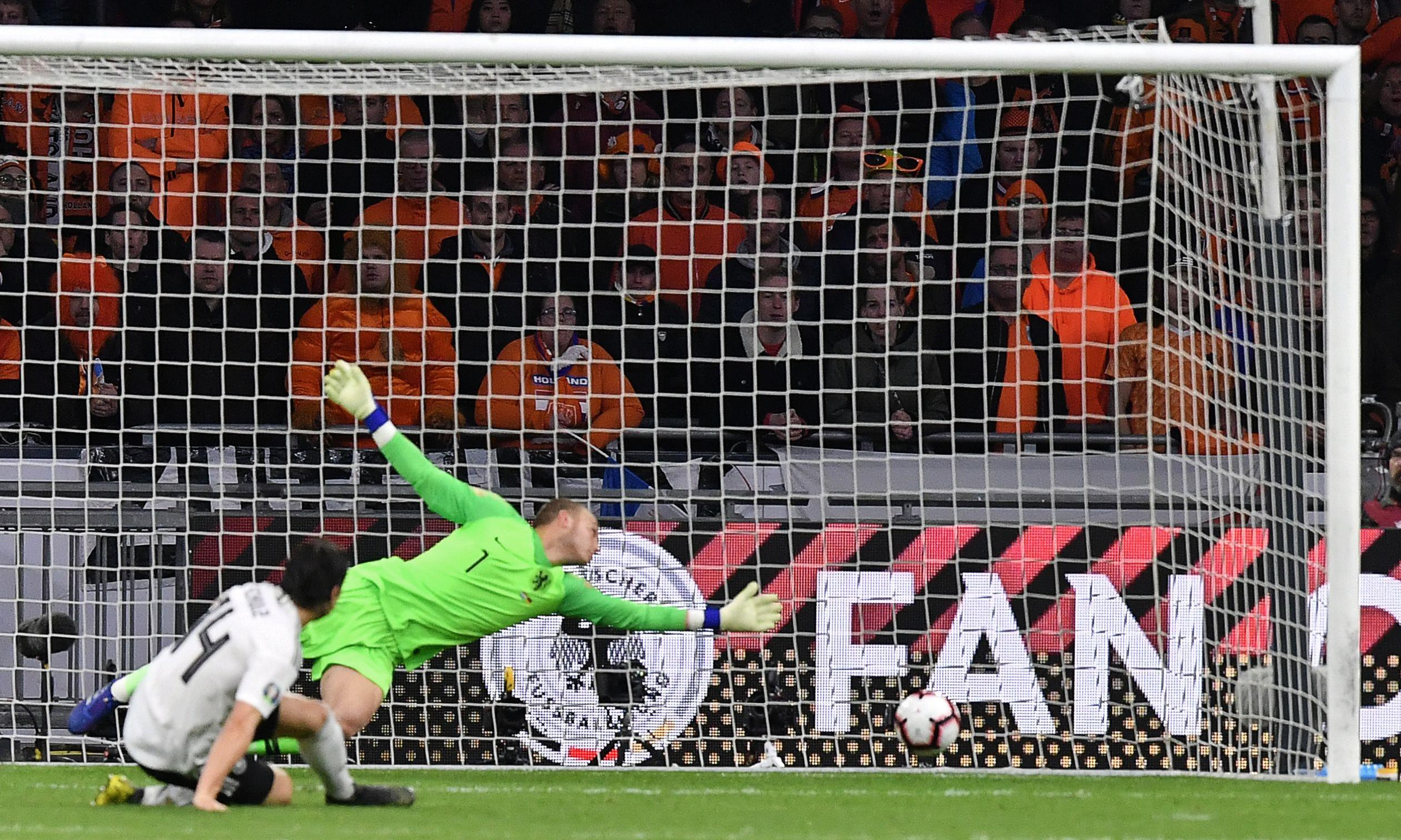 Germany come through against Netherlands with late Nico Schulz goal
