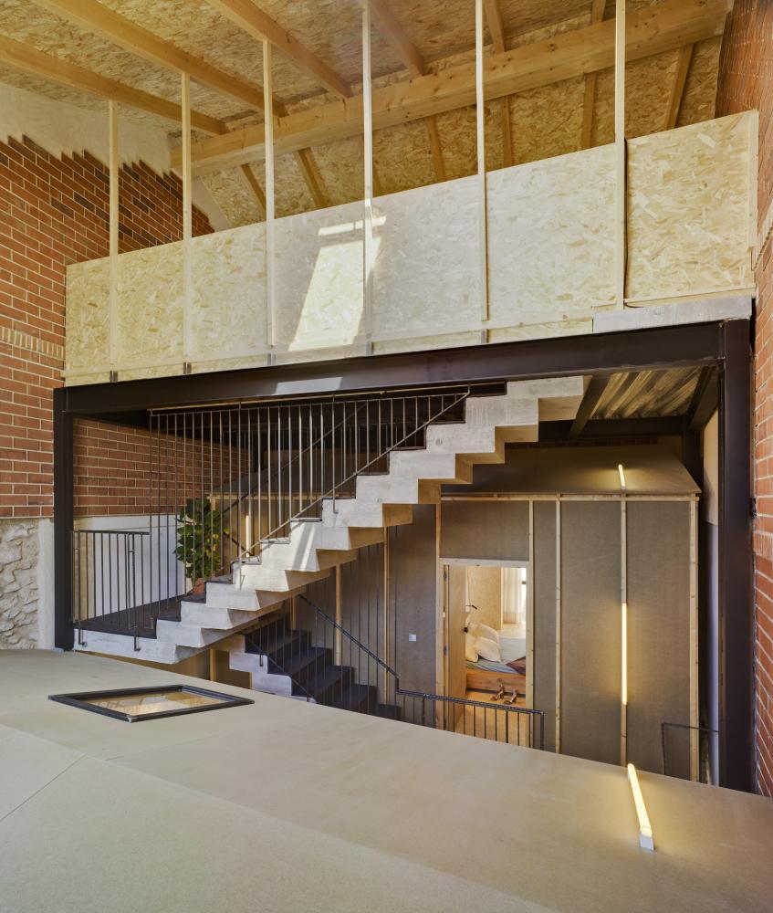 Mac House.