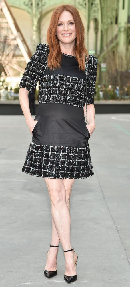 Julianne Moore in Chanel.