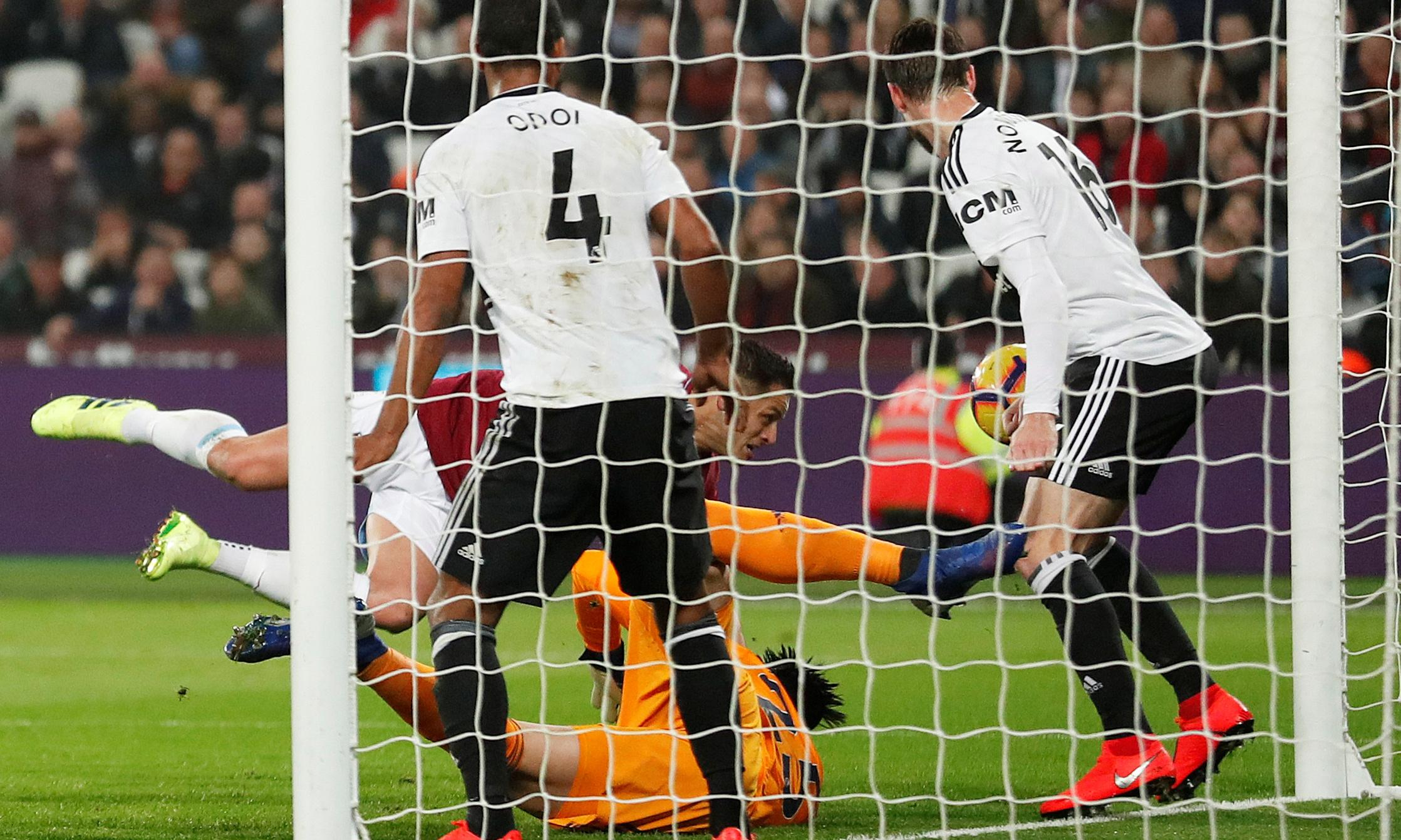 Javier Hernández on hand as West Ham recover from early blow to beat Fulham