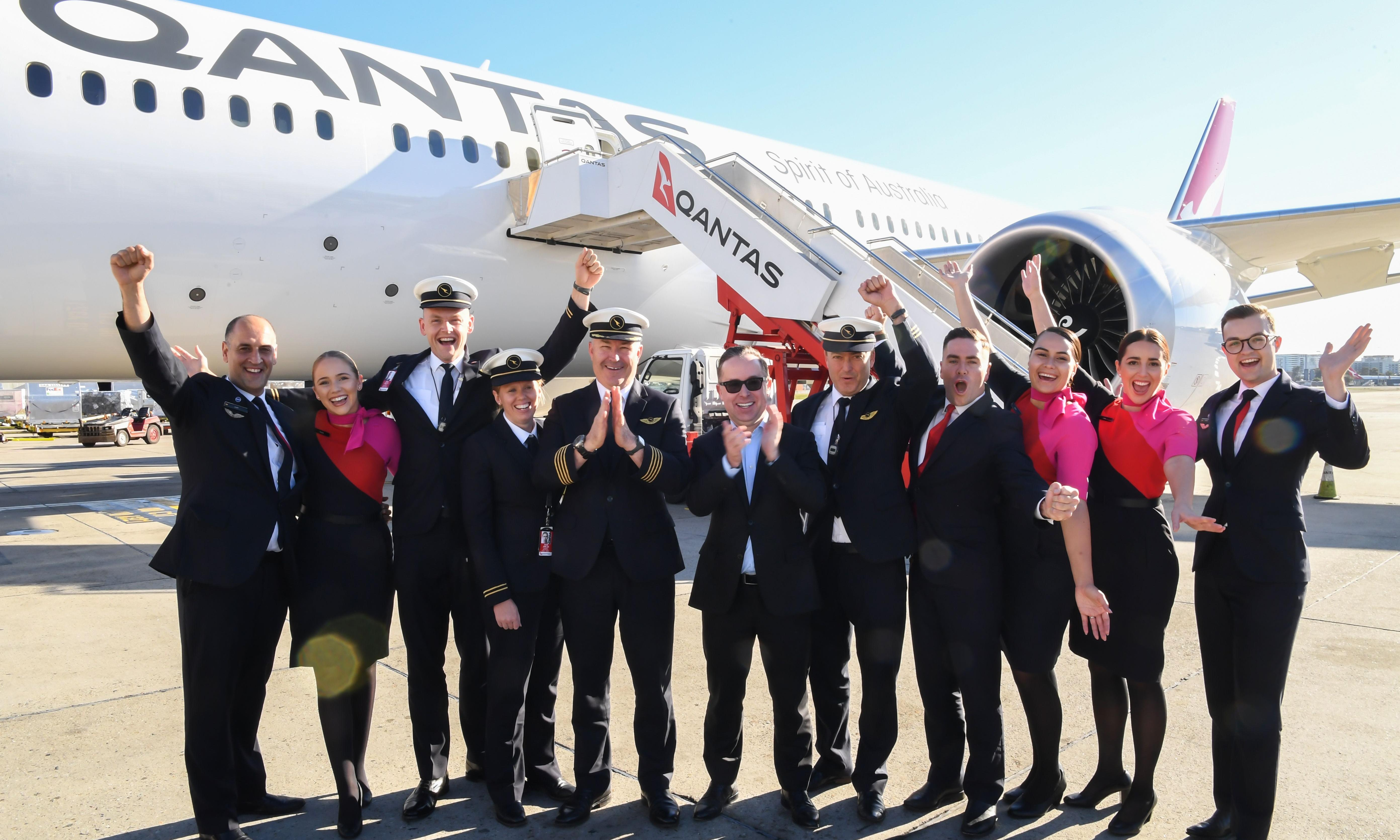 Qantas hails 'historic' moment after Dreamliner completes 19-hour non-stop flight